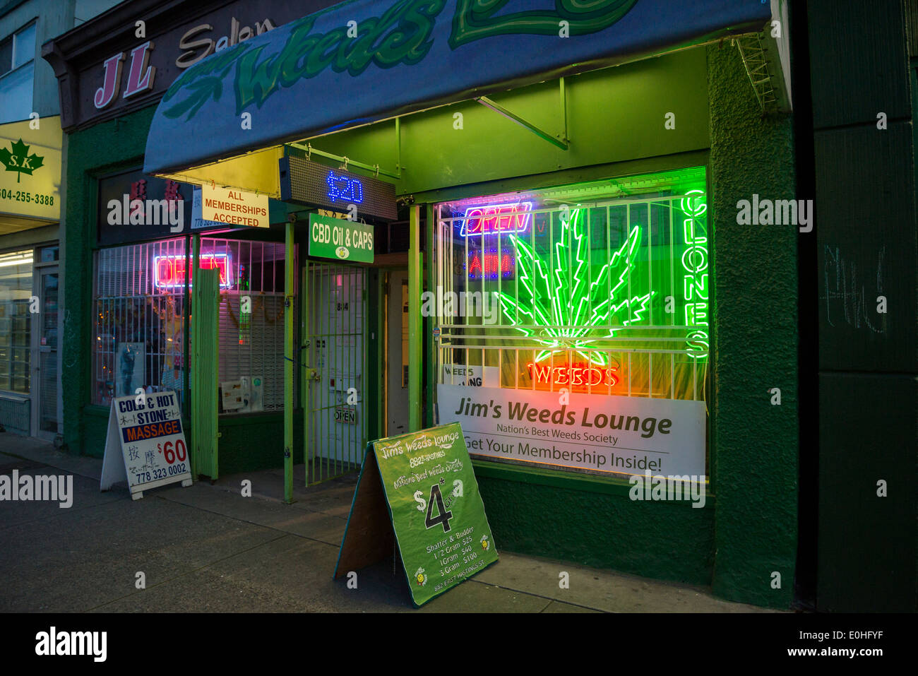 Jim's Weeds Lounge, medical marijuana dispensary, DTES, East Hastings St, Vancouver, British Columbia, Canada - Stock Image
