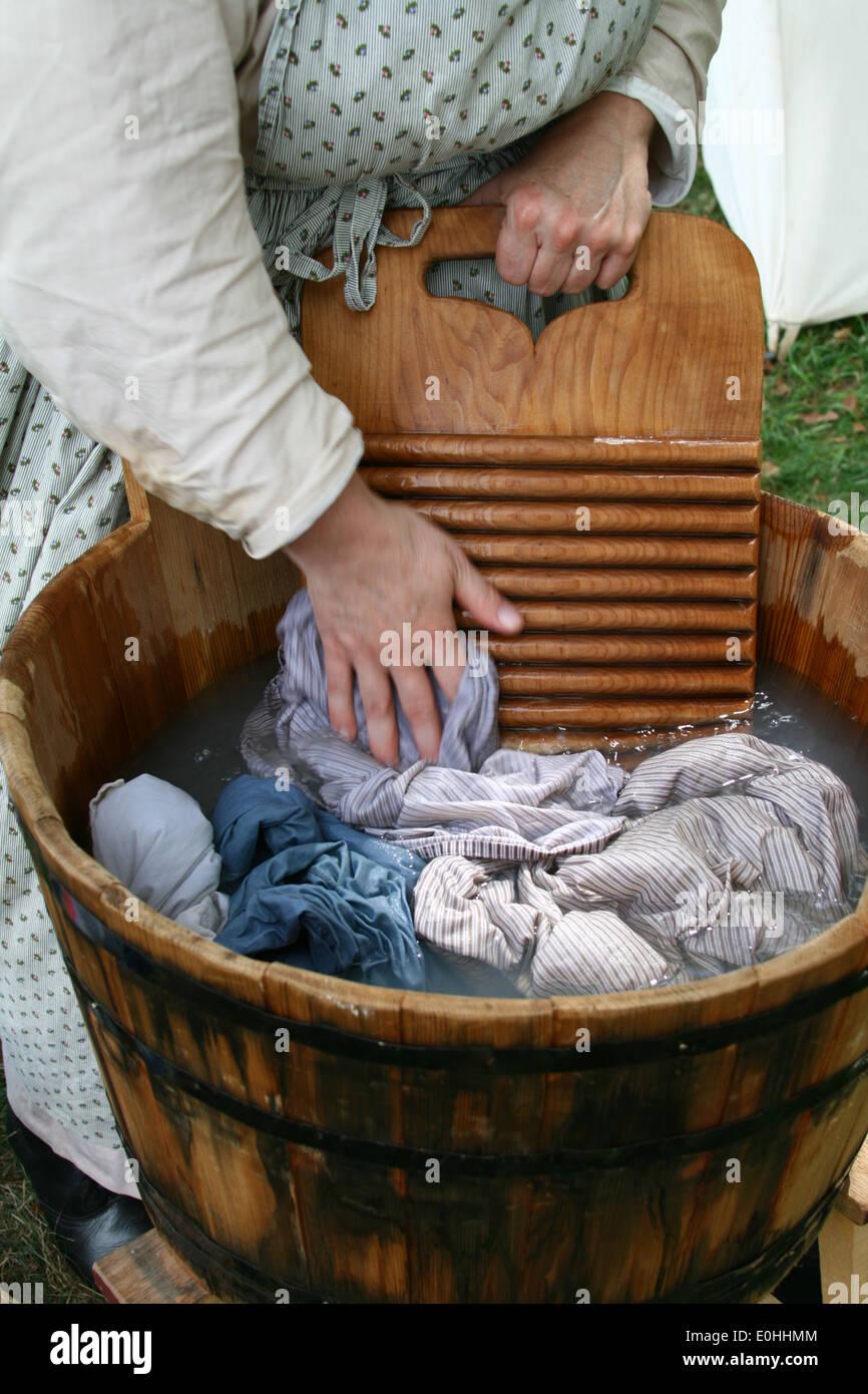 Laundry Wash Tub Stock Photos & Laundry Wash Tub Stock Images - Alamy