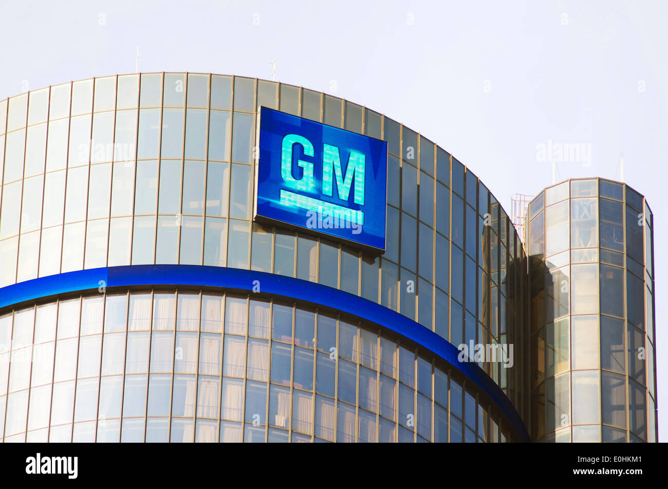 General Motors logo on the headquarters building in downtown Detroit - Stock Image