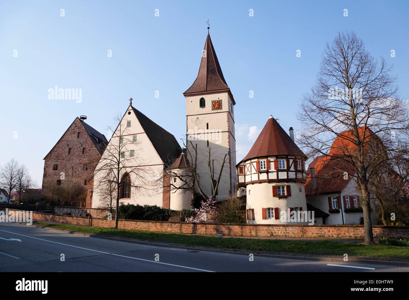 Deutschland, Baden-Württemberg, Merklingen (Weil der Stadt), Kirchenburg, Häuser - Stock Image