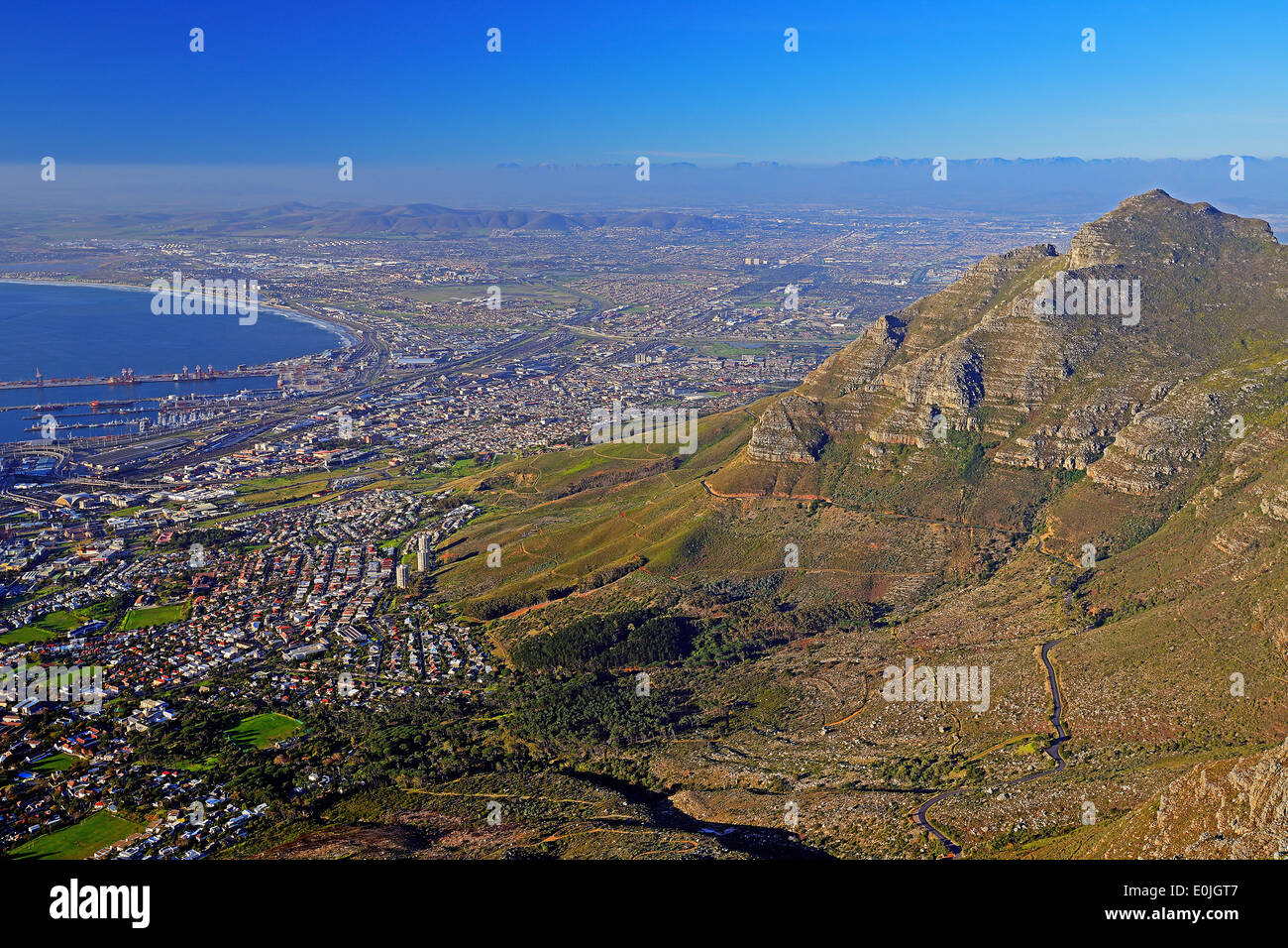 Blick vom Tafelberg auf Kapstadt am Abend, Western Cape, Westkap, Suedafrika, Afrika - Stock Image