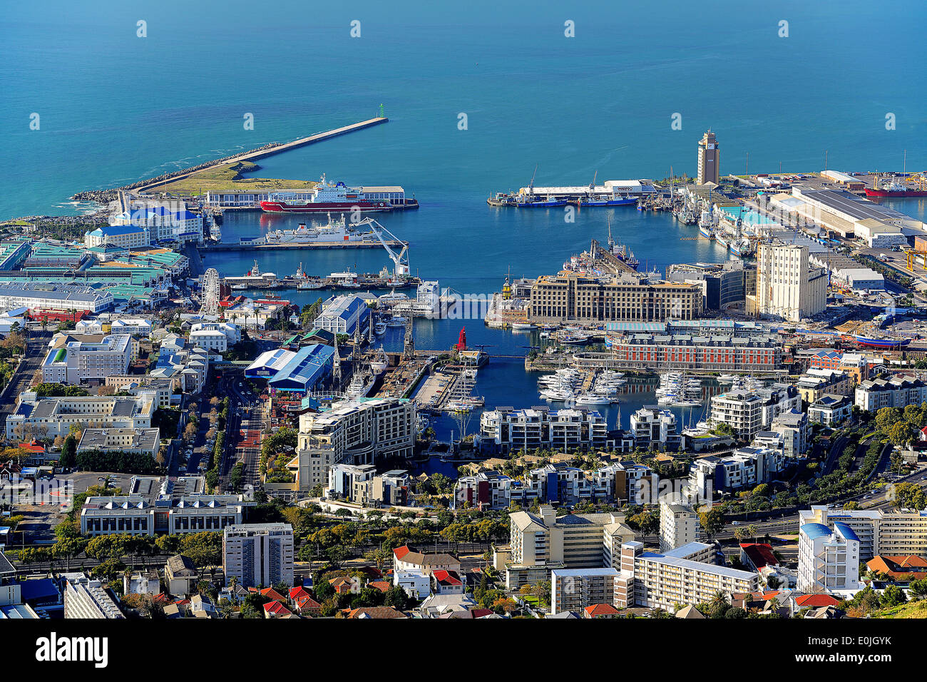 Victoria und Alfred Waterfront, touristisches Zentrum von Kapstadt, gesehen vom Signal Hill, Kapstadt, West Kap, Western Cape, S - Stock Image