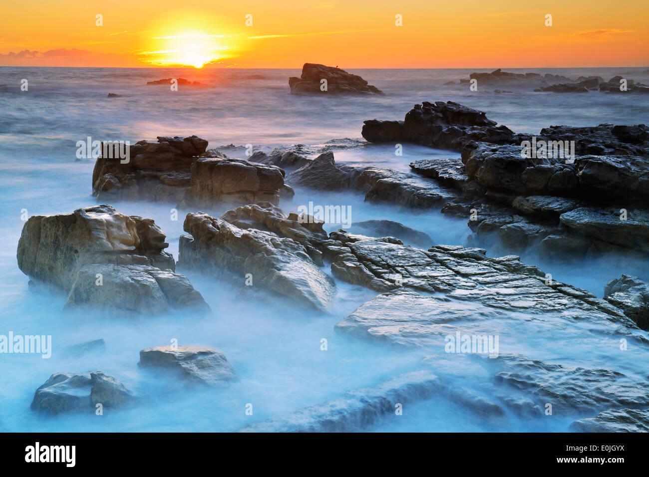 Sonnenuntergang auf Bird Island, Lamberts Bay, Western Cape, Westkap, Suedafrika, Afrika - Stock Image