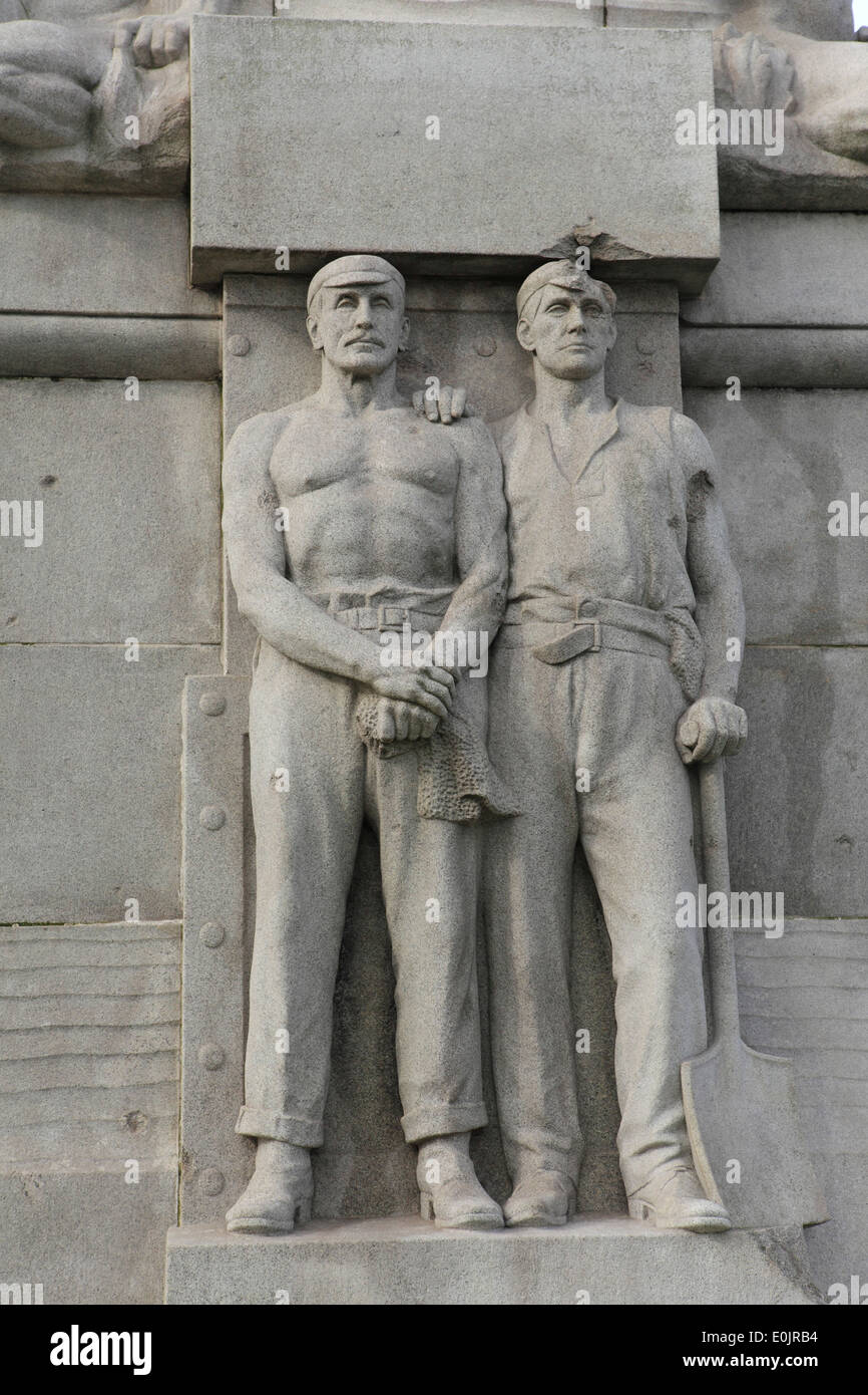 """Detail of the memorial in honour of """"all heroes of the marine engine room"""" in the Pier Head in Liverpool, United Stock Photo"""