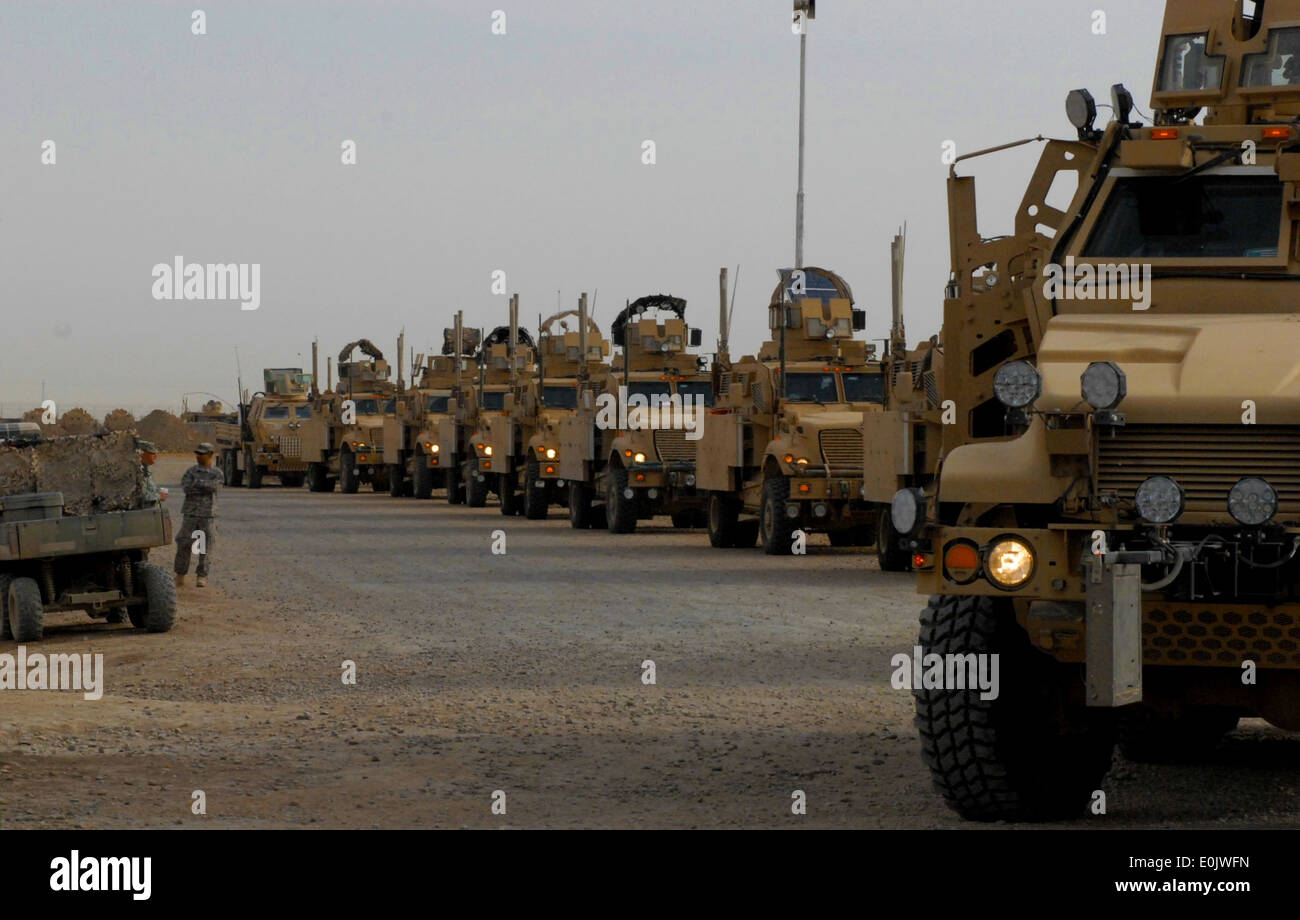 Soldiers from Task Force Volunteer, 41st Infantry Brigade Combat Team, 13th Sustainment Command (Expeditionary) Stock Photo