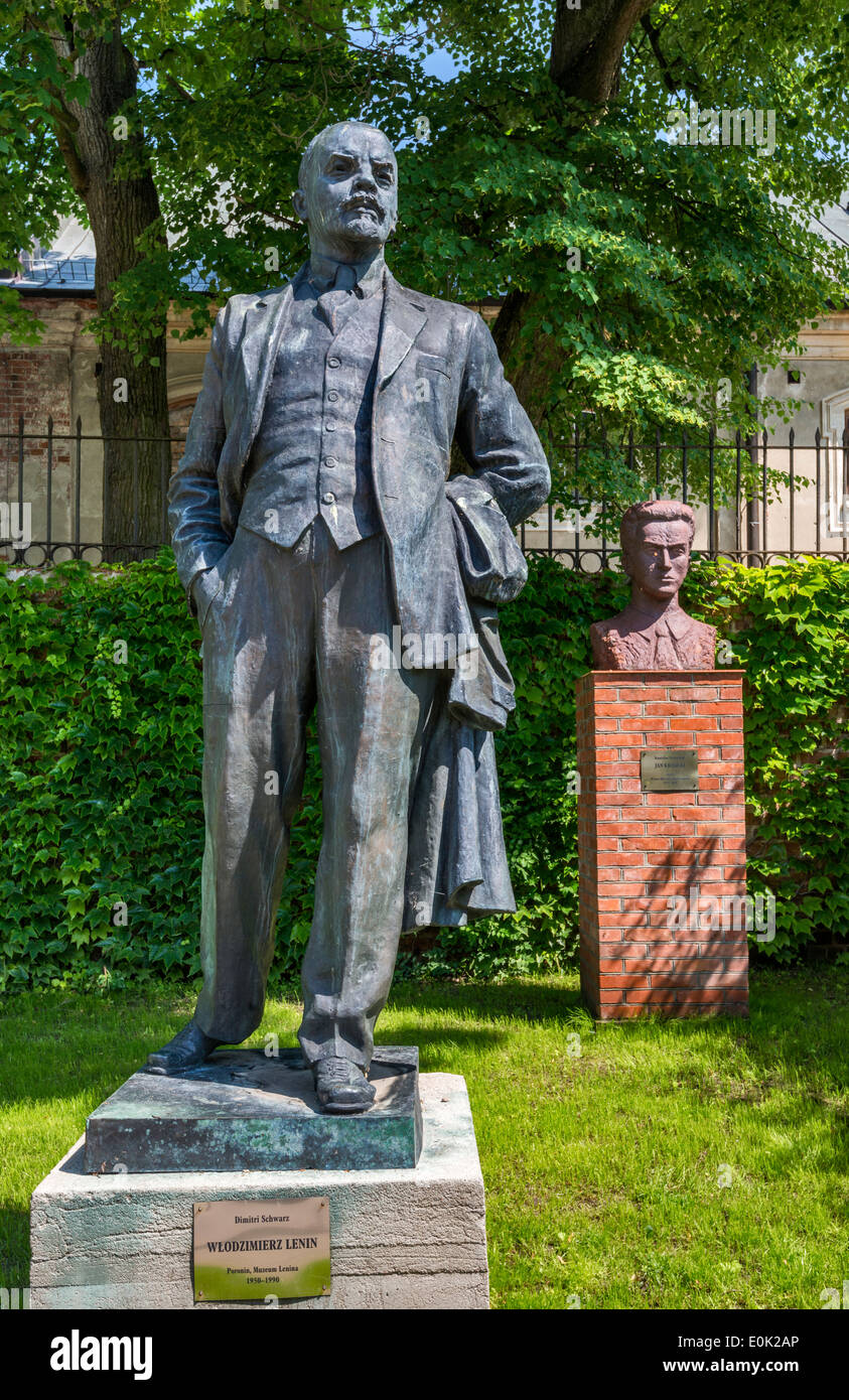 Statue of Lenin by Dimitri Schwarz, Socialist Realism Art Gallery at Zamoyski Palace in Kozlowka near Lublin, Malopolska, Poland - Stock Image