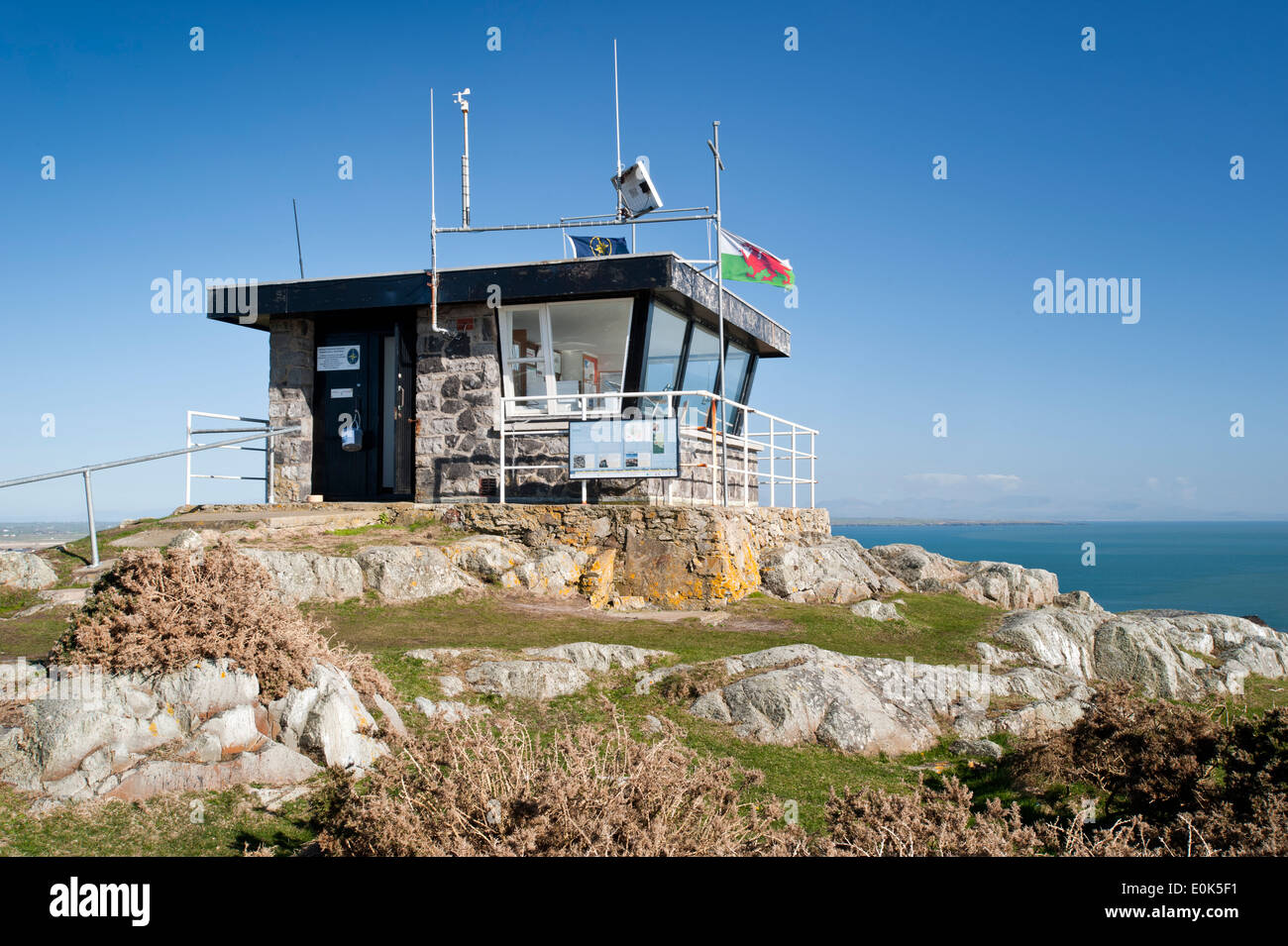 Roscolyn Coastguard Lookout Station, Roscolyn, Anglesey, North Wales, UK - Stock Image