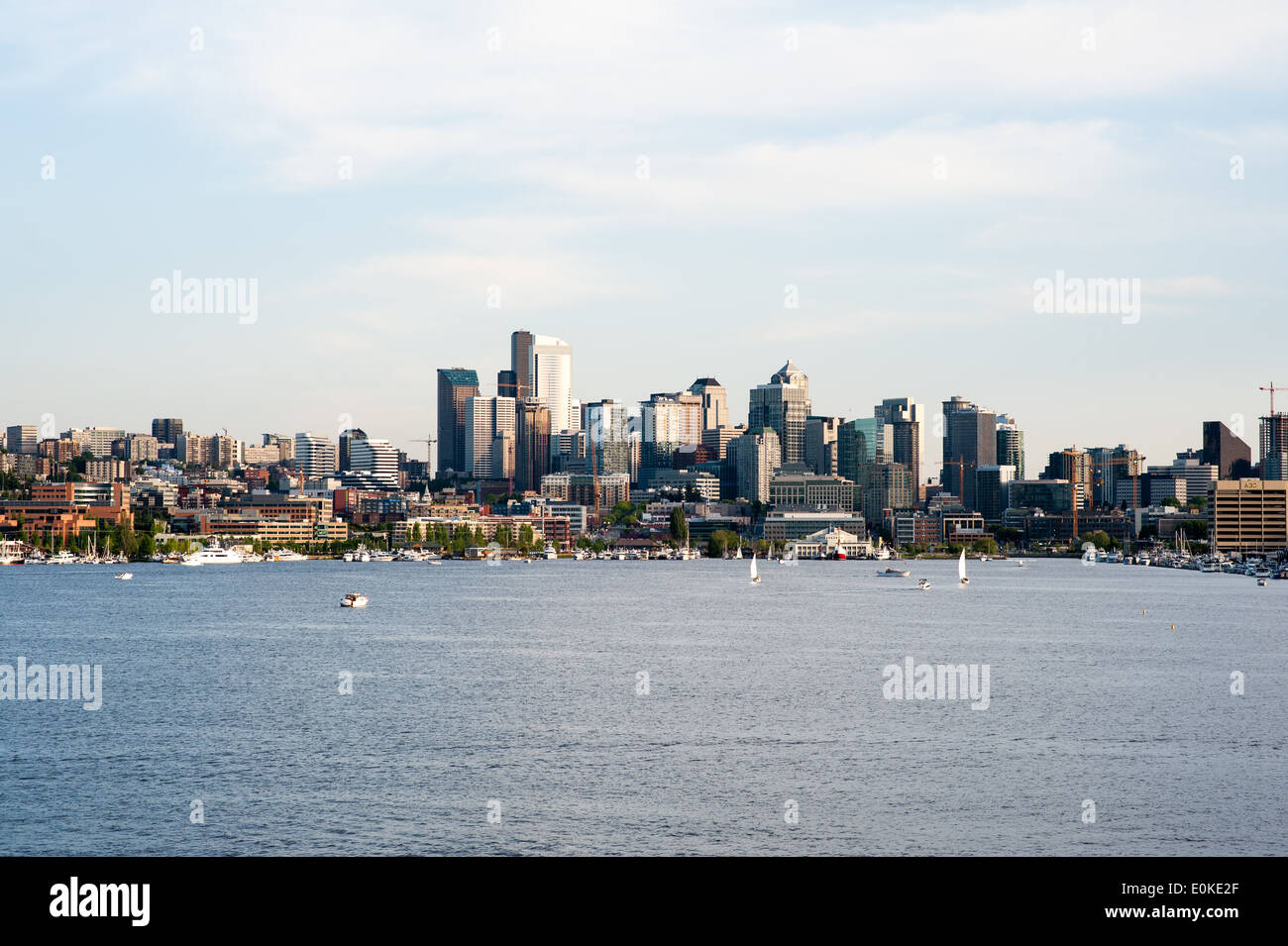 A late afternoon view of Seattle with Lake Union in the foreground. - Stock Image