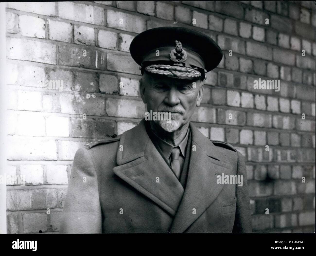 Oct. 10, 1942 - General Smuts Arriving at Dorchester Hotel. - Stock Image
