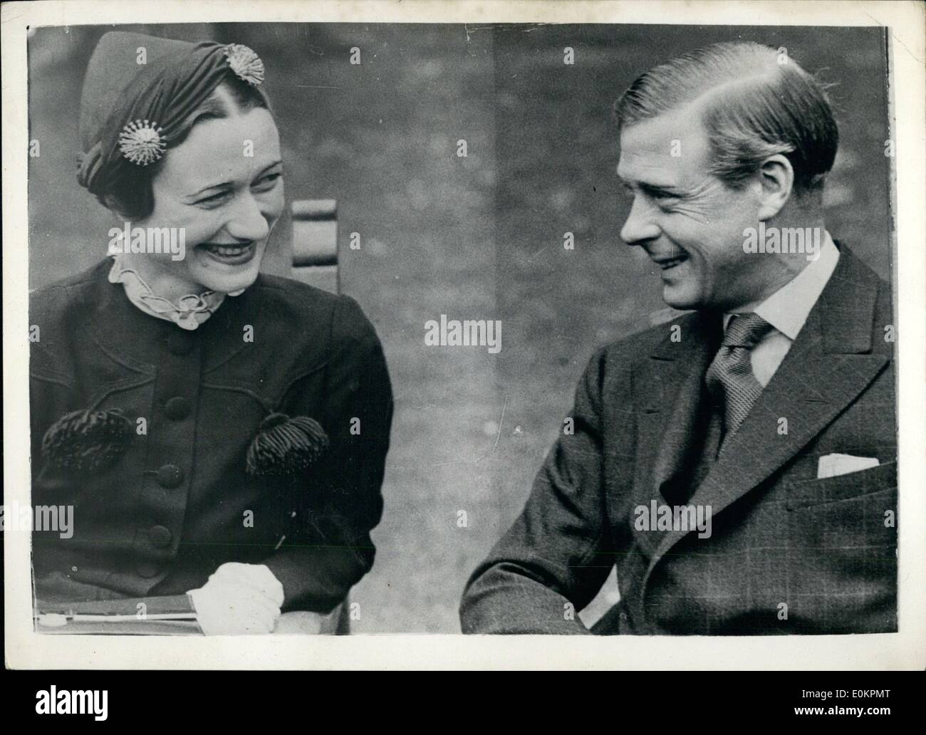 May 05, 1937 - The Duke of Windsor and Mrs Simpson photographed together in the garden of the Chateau de Conde. : - Stock Image