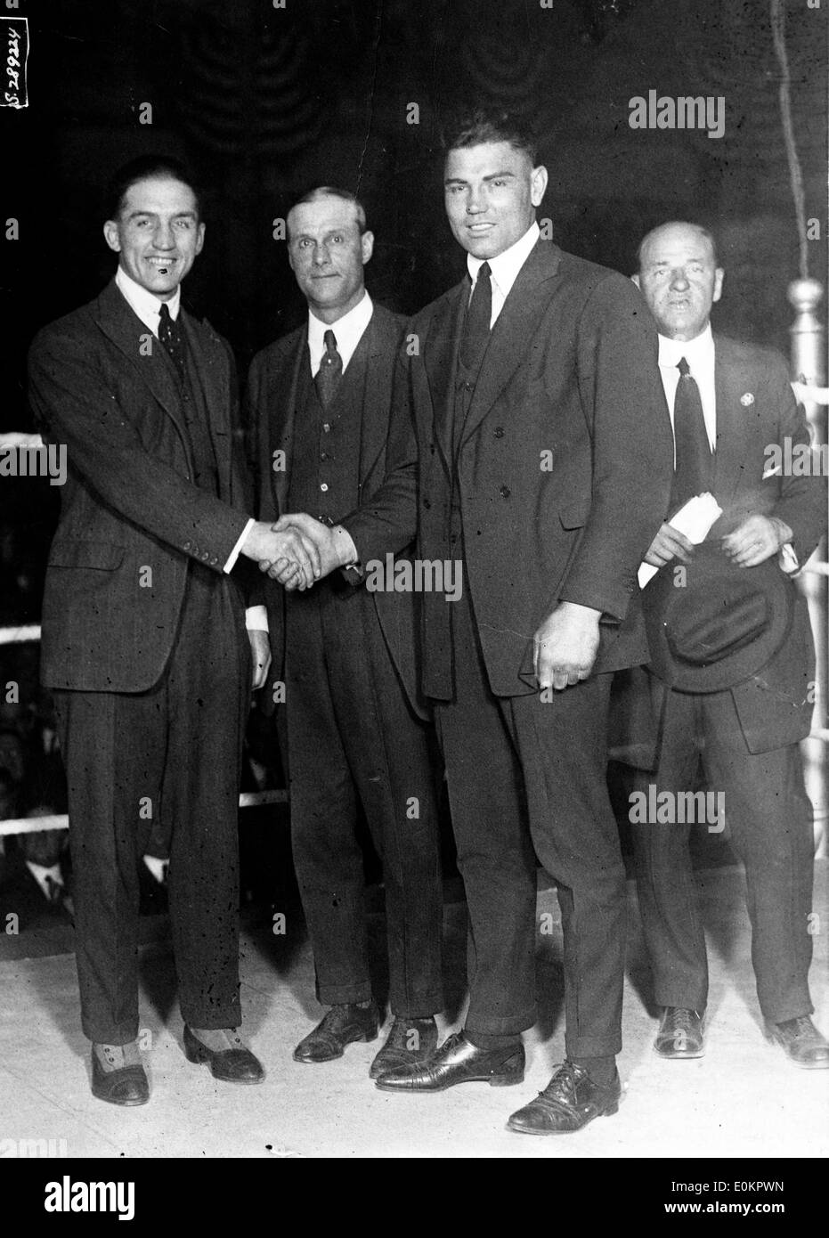Boxer Jack Dempsey shaking hands before a fight - Stock Image