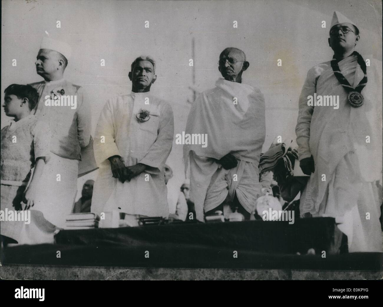 Jan. 01, 1938 - Indian National Congress At Hardupura: Personalities ion the Dias L=-R: Seth amnalan Bajai, Darar Gopaldas Dasai; Chair an of the Redeption committee Mahatma Gandhi and Pres. Subas Chanbrag Bose with the Garlan the insignia of the Presidentship. - Stock Image