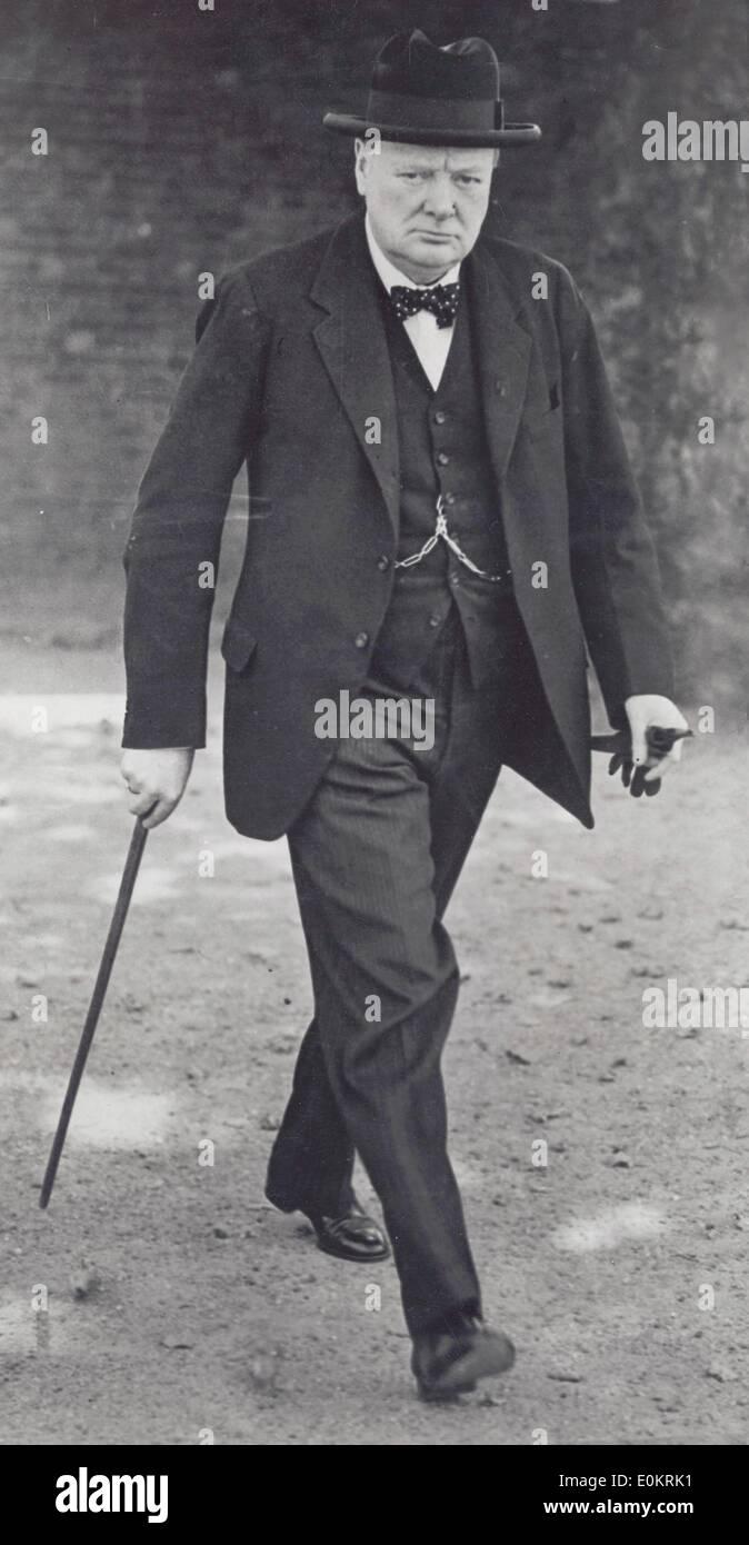Sir Winston Churchill leaving cabinet meeting - Stock Image