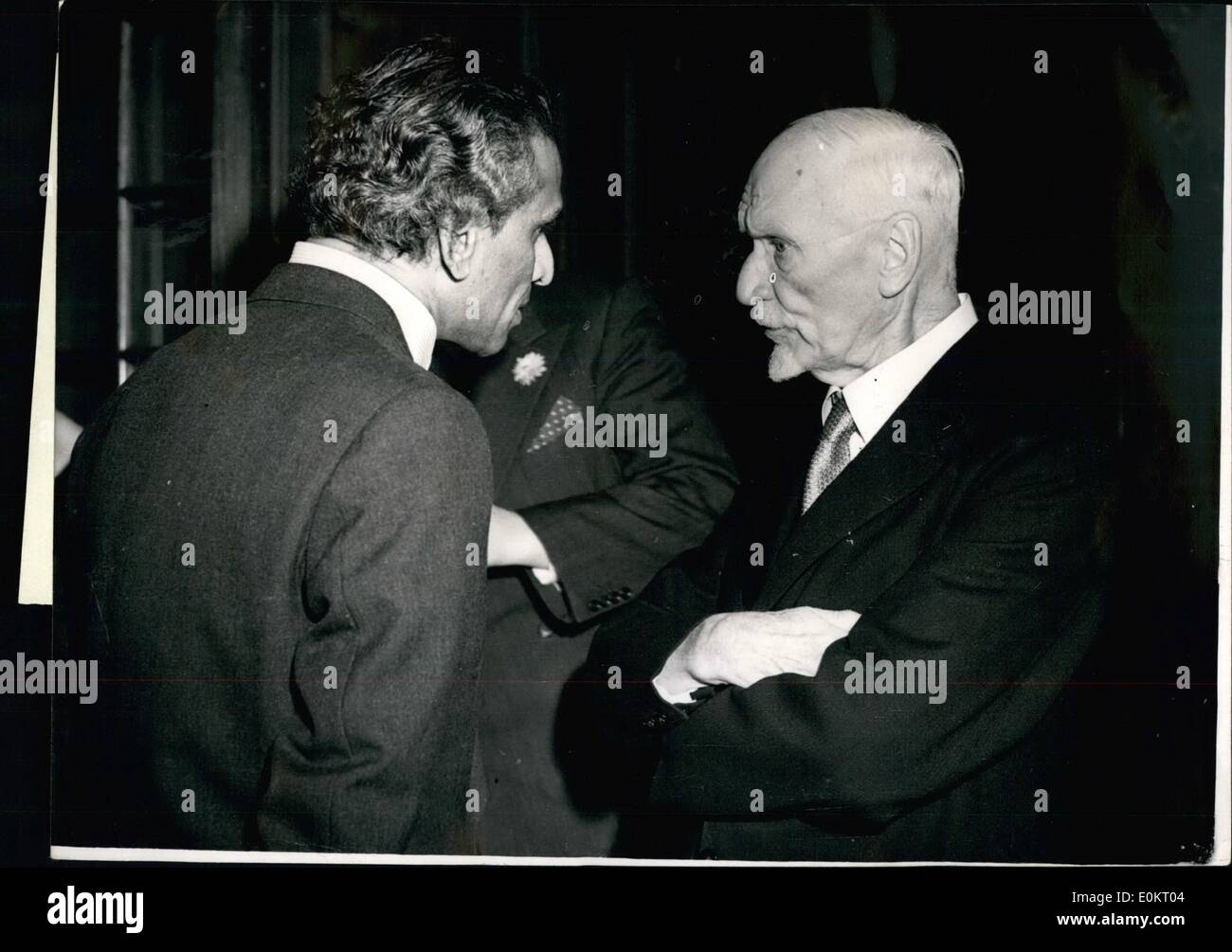 Nov. 11, 1949 - A Spot of Serious Conversation at the Reception... General Smuts and Mr. Khrisna Menon... hoto Shows: - Stock Image