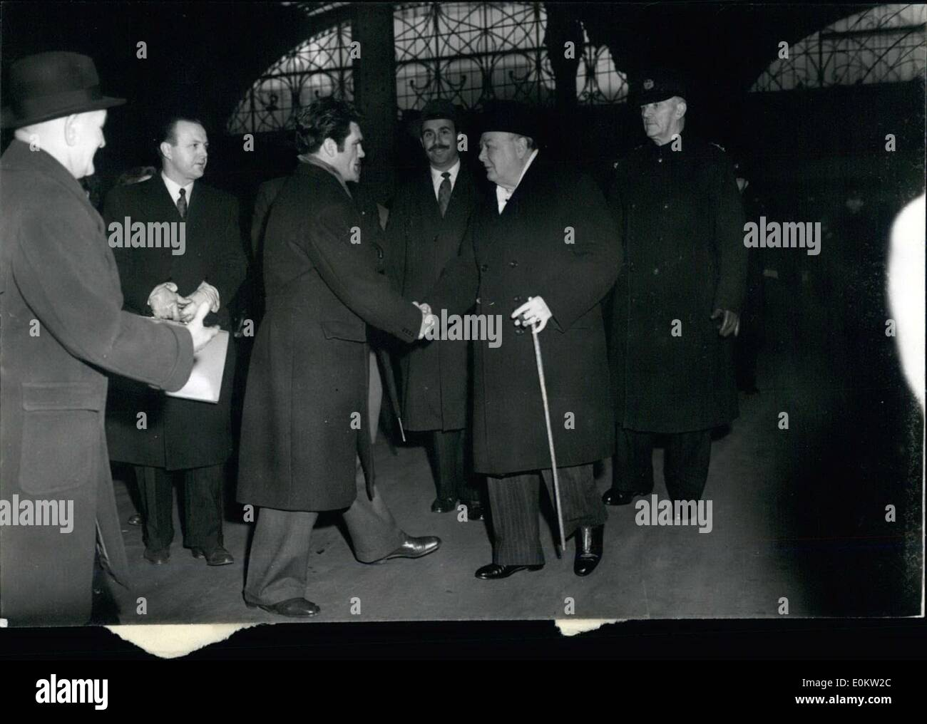 Feb. 02, 1950 - Mr. Churchill Leabes For Cardiff Freddie Mills Sees Him Off: After seeing off Joey Maxim when he left Waterloo-station on the ''Queen Mary'' boat train this morning. Freddie Milis went to Paddington to see Mr. Winston Churchill off, when Britain's war time Prime Minister left for Cardiff. where he will address a great meeting at Ninian Park, the Cardiff City football ground, as part of this General City football Campaign Tomorrow Mr. Churchill Election to Devonport. Photo shows Mr - Stock Image