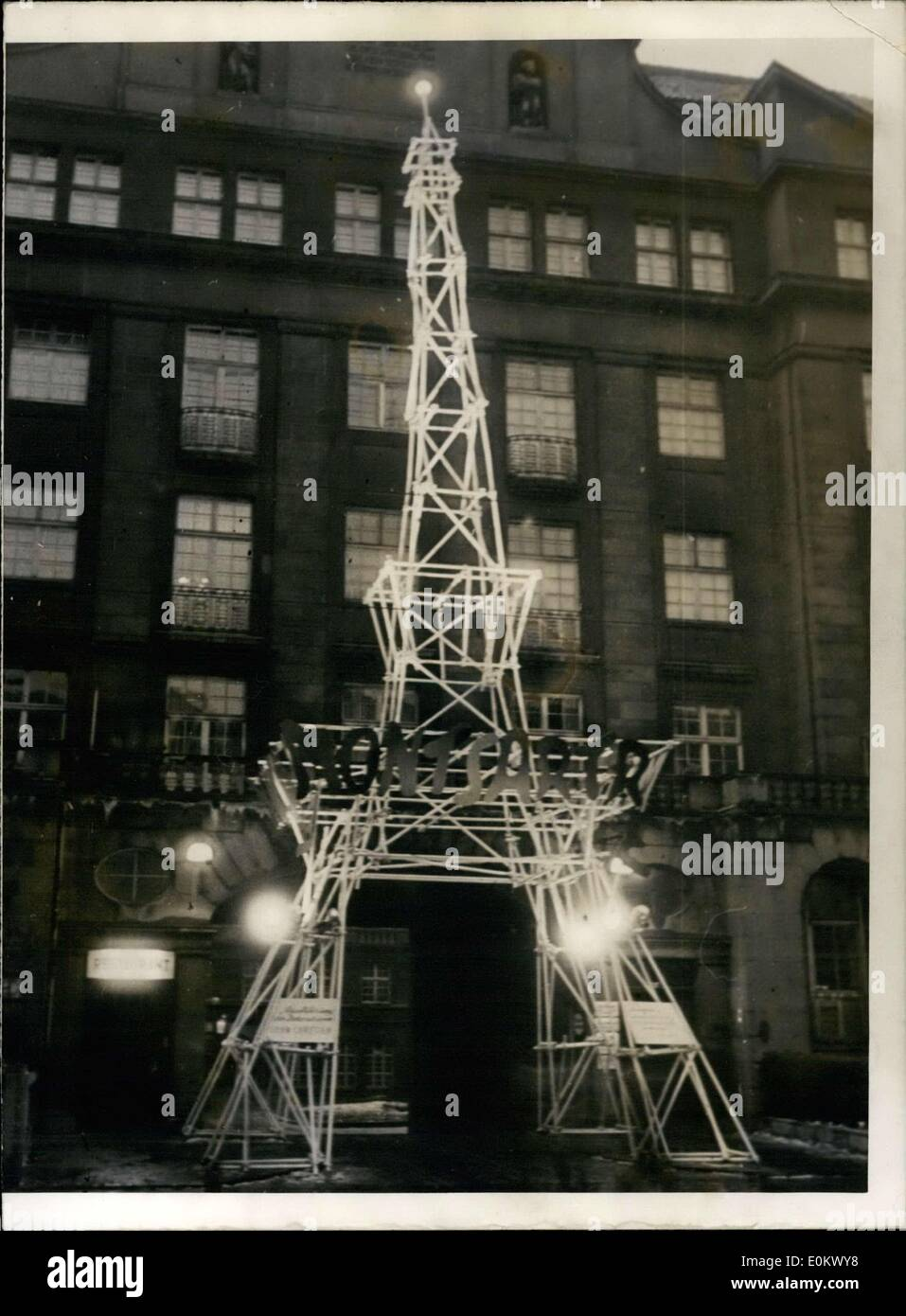 Jan. 30, 1952 - Paris Comes to the Alster! A miniature Eiffel Tower was displayed before the Curio-House as an emblem Stock Photo