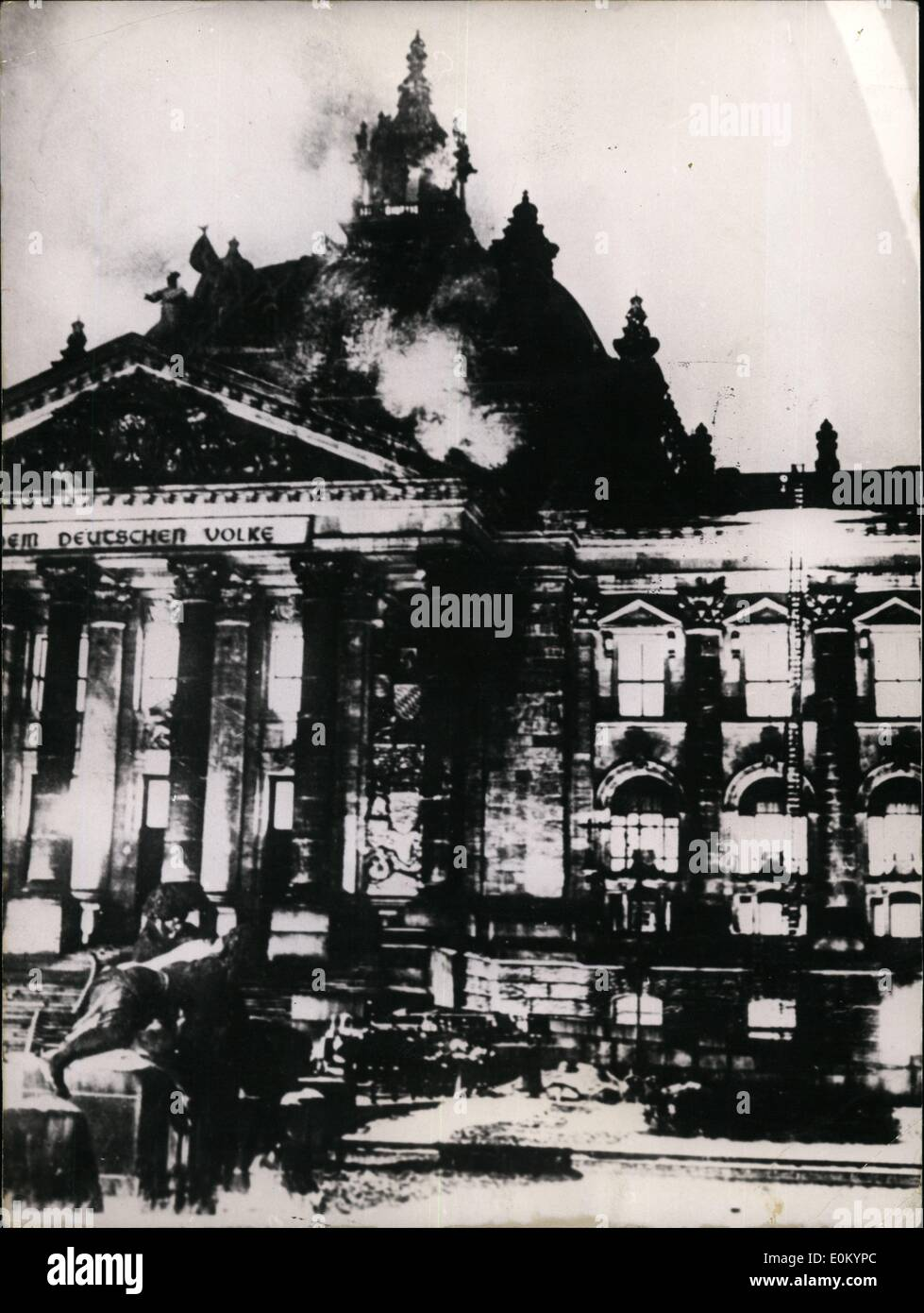Feb. 02, 1953 - Reichstagtag burning!: When this news went through the World on February 27th, 1933, many of us took it as an omen that the new rulers of Germany has sent the parliamentary democracy at the stake. For Hitler and his followers the burning German Reichstag (building of the former German National Assembly) was the ''burning light of a new speech in world history'' a spectacle staged to announces the beginning of the Third Reich. For the democratic Germany, however, it was a taken o beginning tyranny and disaster - Stock Image