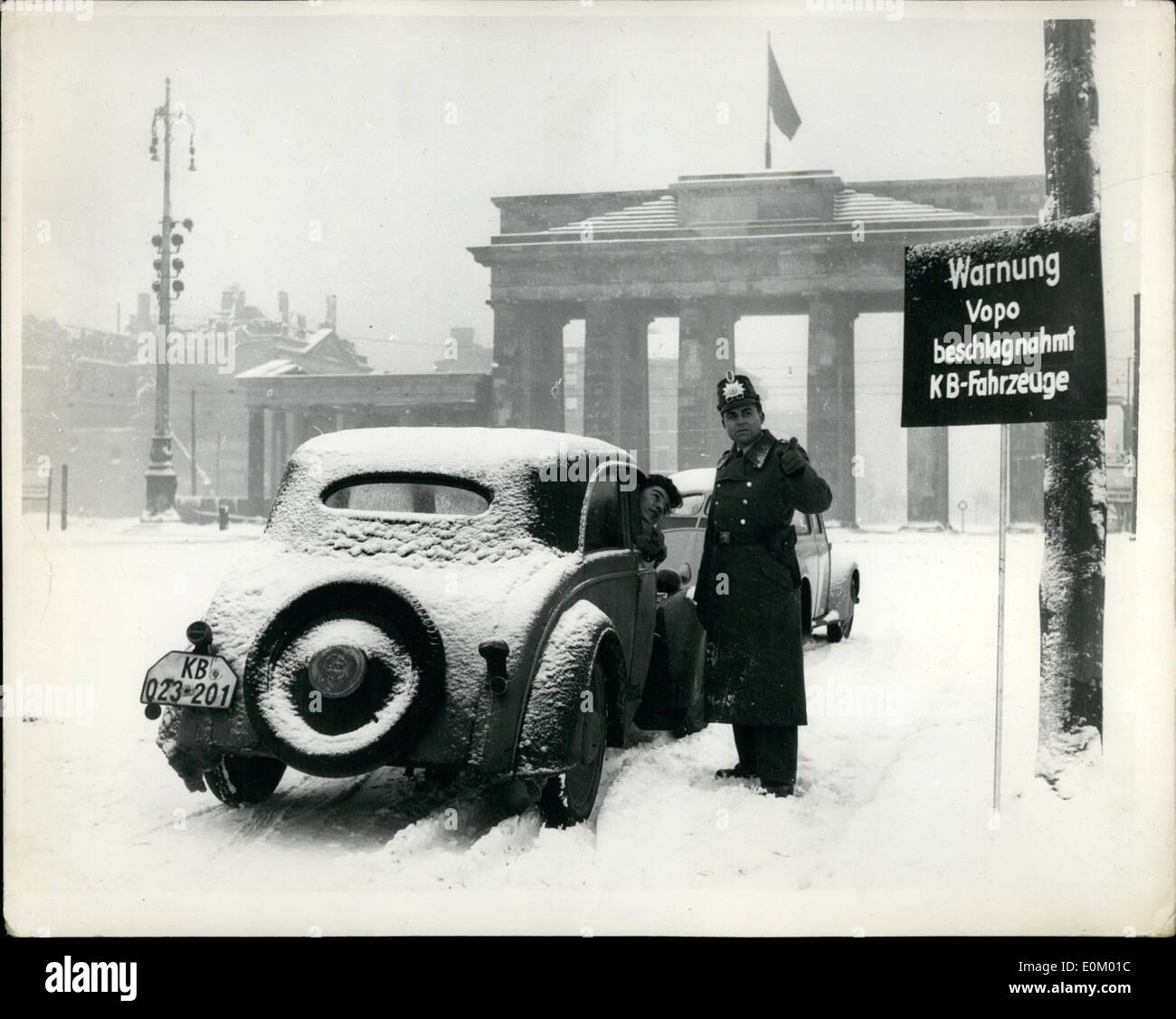 Dec. 12, 1952 - New Berlin warning to motorist Don't take car into Russian zone. New notices have appeared in Berlin at the entries into the Russian zone. warning west Berlin motorists that their cars will probably be confiscated by the Russian Vopo (people police). It was a common thing for west Berliners to drive over to east Berlin in their cars but there have been so many complaints that the vopo have taken their cars and sent them back on foot - thus the warnings - Stock Image