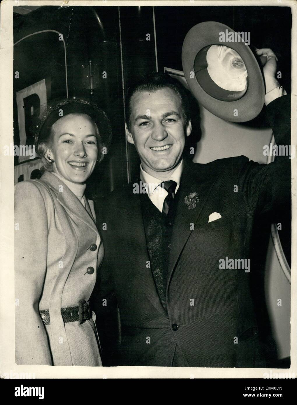 Feb. 02, 1953 - Popular Screen Star Leaves For Home. Forrest Tucker And His Wife - At Waterloo. Photo shows Forrest M. Tucker the popular American screen star and his wife - seen when they left Waterloo Station this morning on the Queen Mary Boat train - on way to New York. - Stock Image