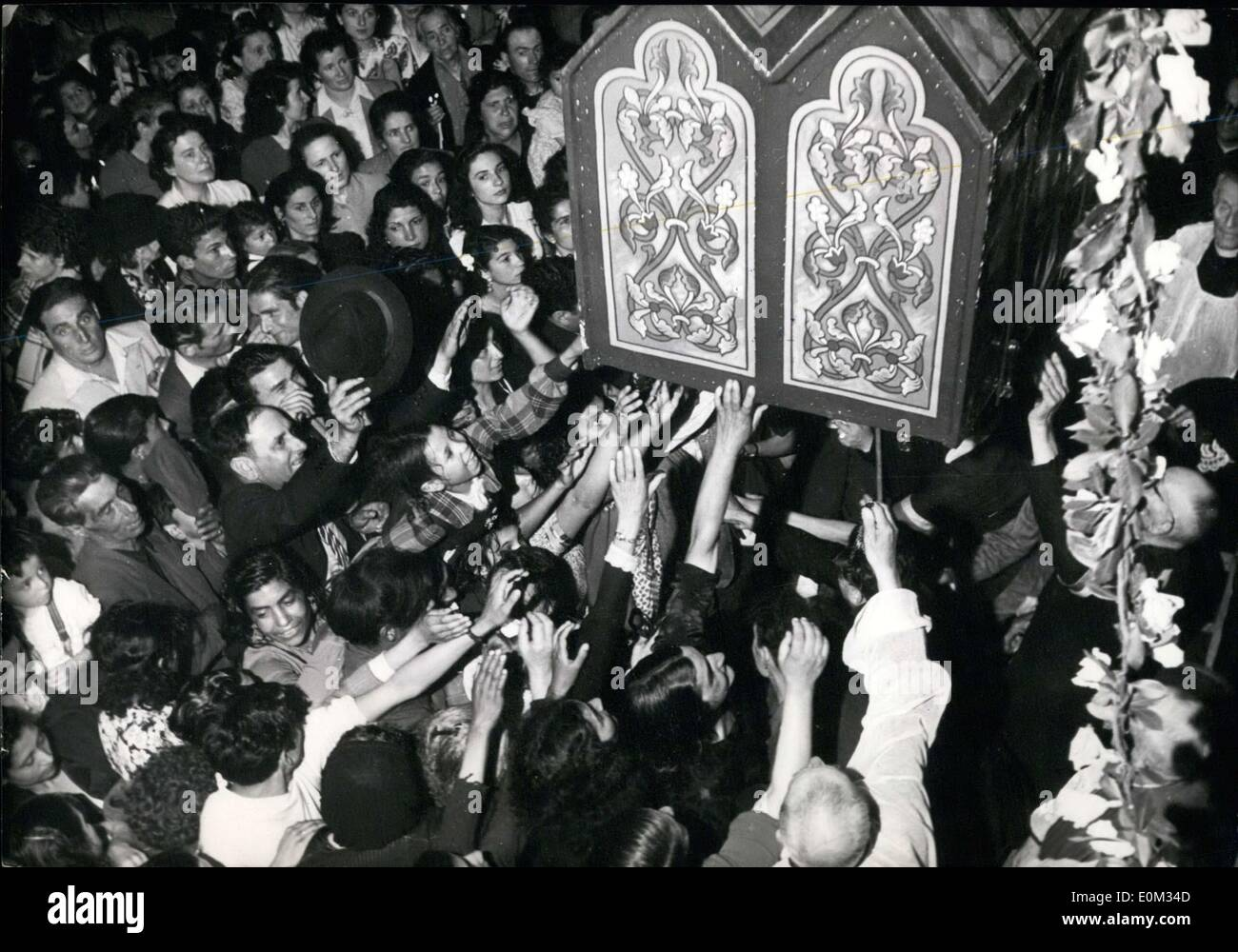 May 26, 1953 - Relics of Sara the Bohemian, Marie-Jacobee, and Marie Salomee APRESS.co - Stock Image