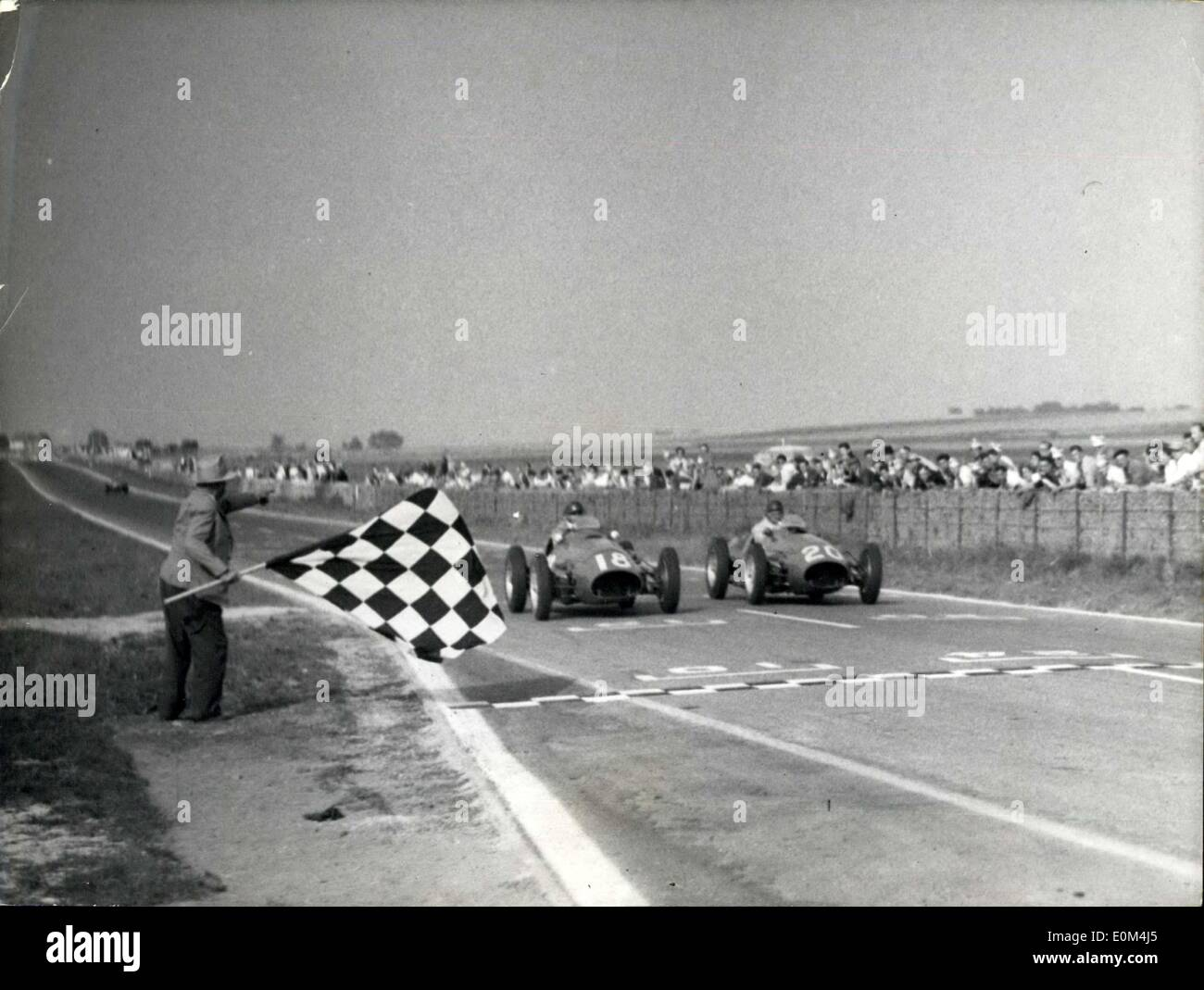 Jul. 06, 1953 - The Englishman Hawthorn wins the big prize of the A.C.F.: Fangio 2nd -- Gonzales 3rd. The arrival of Fangio (N I8) driving a Maserati I and of Gonzales on Maserati II. - Stock Image