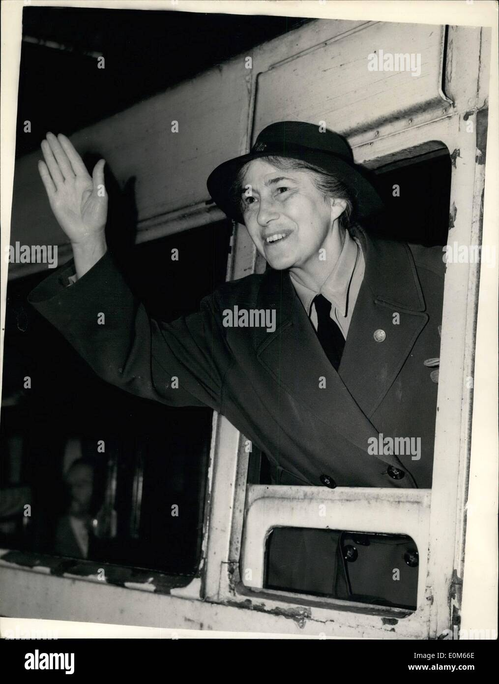 Sep. 09, 1953 - Lady Baden. Powel Leaves for Quebec World Chief Guide: Photo shows Lady Baden. Powel the Wold Chief Guide. seen when she left Waterloo Station this morning on the Samaria Boat train for Quebec. - Stock Image