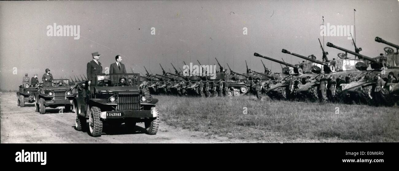 Sep. 09, 1953 - French Army Manoeuvre In Brittany: M. De Chevigne, state secretary of war, and General Blanc standing Stock Photo