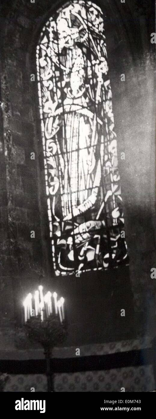 Oct. 05, 1953 - New Stained Glass Windows For Saint Peter Whurch At Montmartre: The three new stained glass windows of Saint Peter's church in Montmartre, Santn Peter is one of the oldest churches in Paris (It was built in the XI Century). Some of its sained glass was damaged during the war - Stock Image