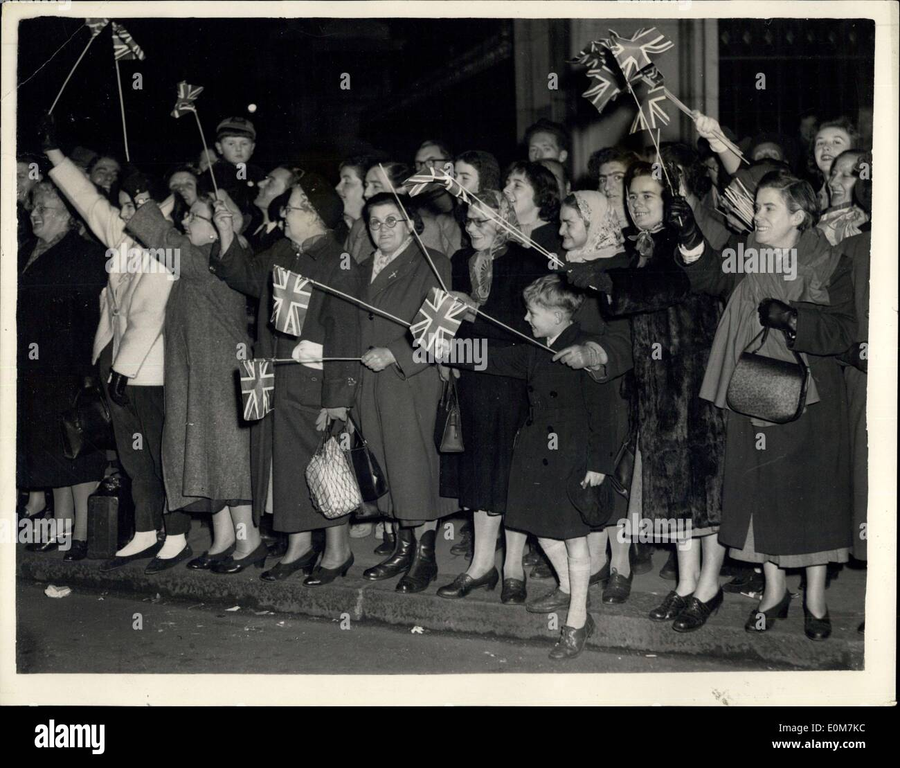 cheering crowds stock photos amp cheering crowds stock