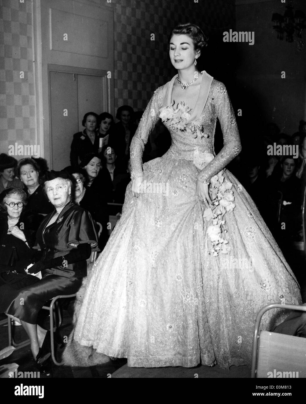 Wedding Photography Athlone: Princess Alice Countess Of Athlone In Fashion Show Stock