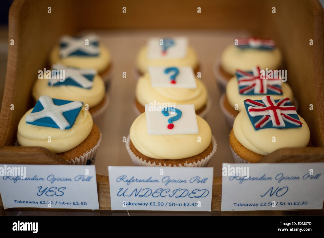 Cuckoo's Bakery, with their Independence Referendum cupcakes, in Edinburgh, Scotland, Thursday 15 May 2014. - Stock Image