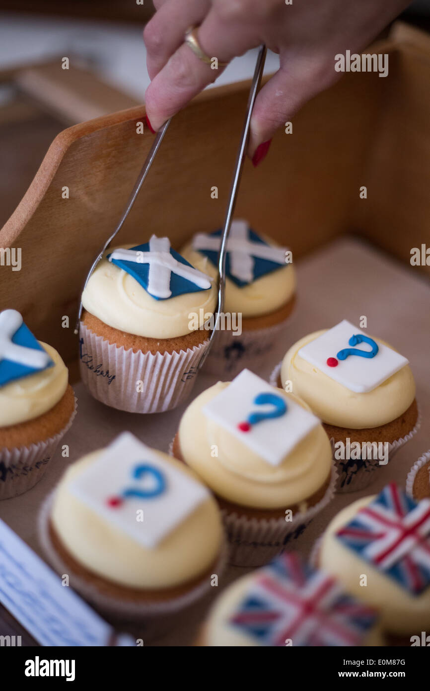 Cuckoo's Bakery, with their Scottish Independence Referendum cupcakes, in Edinburgh, Scotland, Thursday 15 May 2014. - Stock Image