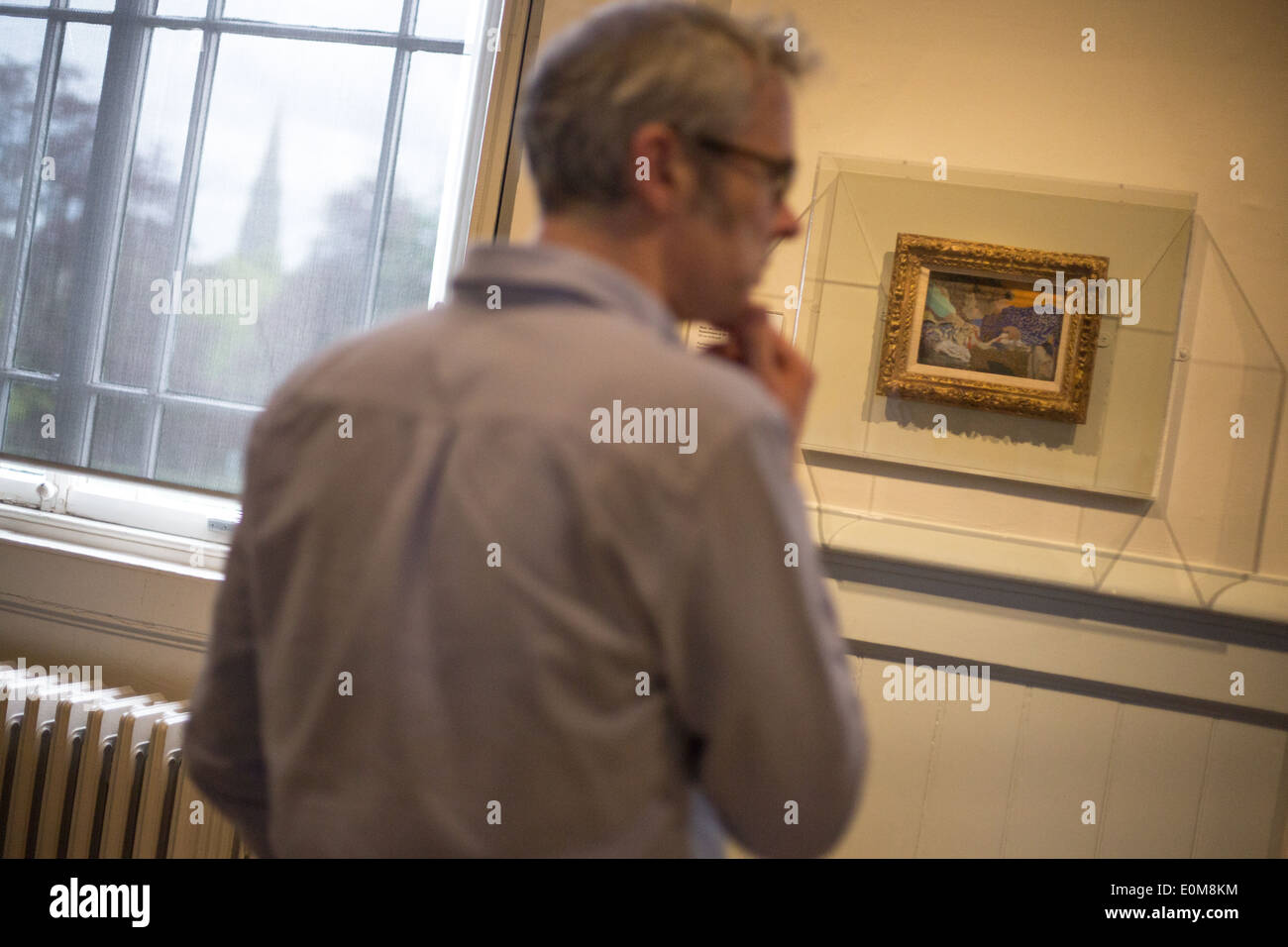 Scottish National Gallery of Modern Art, with people looking at paintings by Edouard Vuillard, in Edinburgh, Scotland - Stock Image