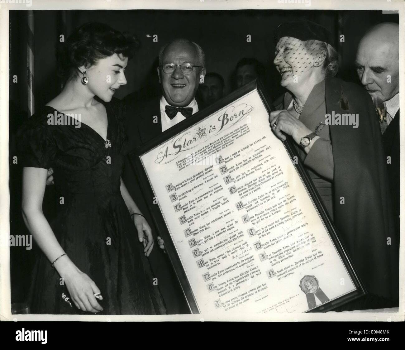 Feb. 02, 1954 - ''Actress of the Year'' and ''Showman of year'' honoured at variety club Luncheon: Miss Dorothy Tutin, whose performance in Graham Greene's ''The living Room'' made her the talk of the entertainment world, and Mr. Jack Hylton, the empressario, were honoured by the Variety Club as the ''Actress of the Tear'' and ''The Showman of the Year'' respectively at a special testimonial luncheon held at the Savoy Hotel today - Stock Image