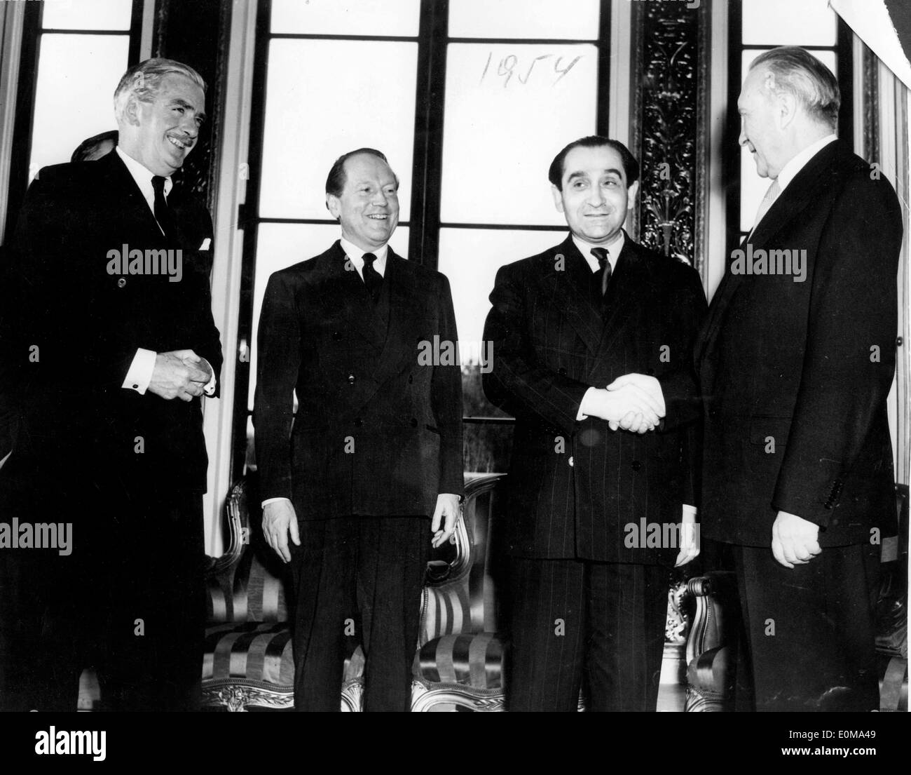 Lancaster house agreement stock photos lancaster house agreement dr adenauer and politicians meet at lancaster house stock image platinumwayz