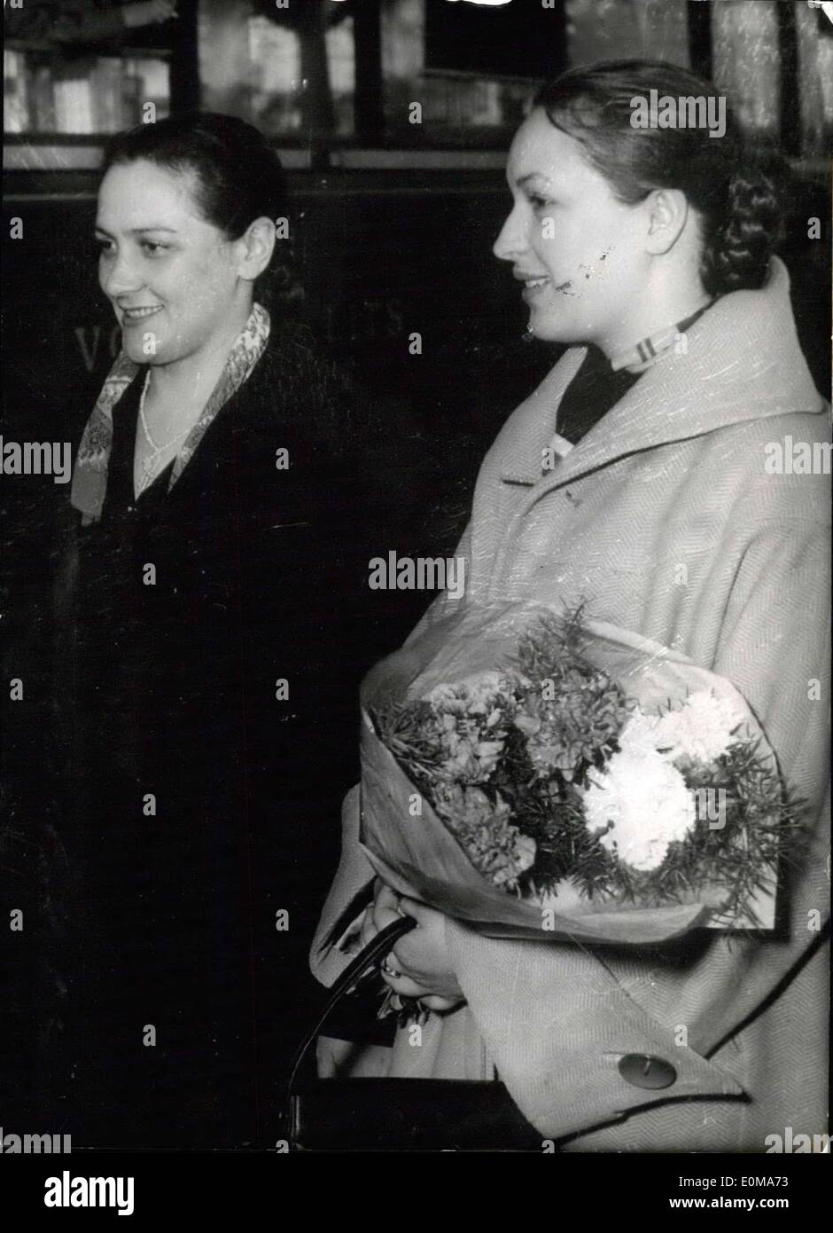 Mar. 25, 1954 - Russian Screen Stars at Cannes Cine Festival: E. Lutchko (left) and L. Orlova arrying Flowers), the two Russia - Stock Image