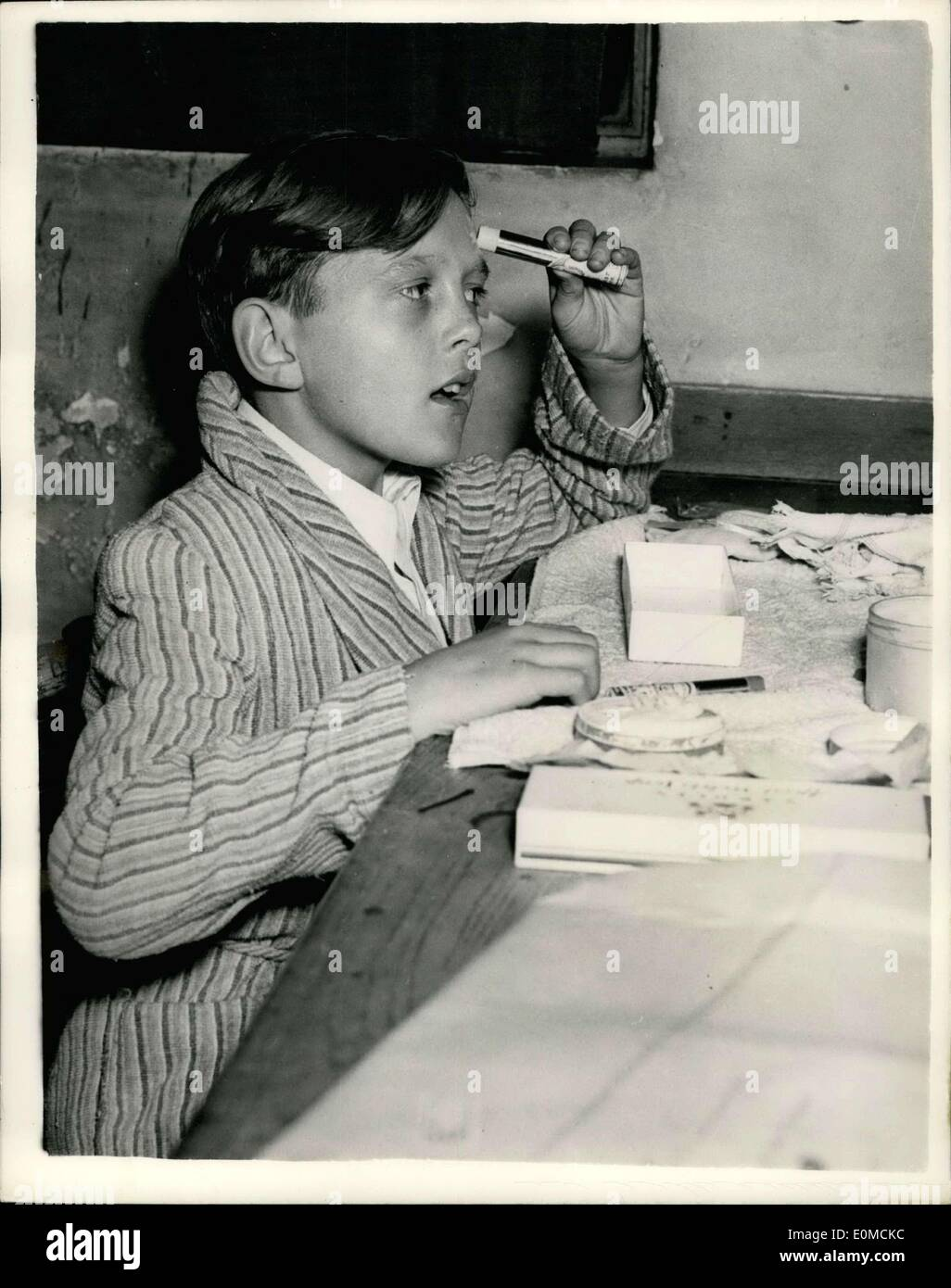 oct-07-1954-boy-opera-star-photo-shows-1