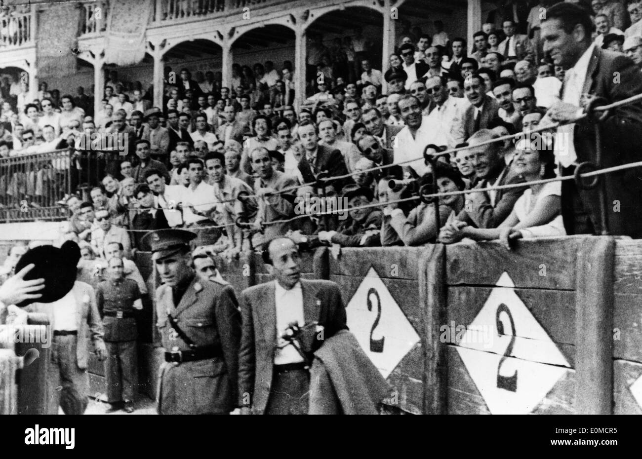 Actor Laurence Olivier at a bullfight - Stock Image