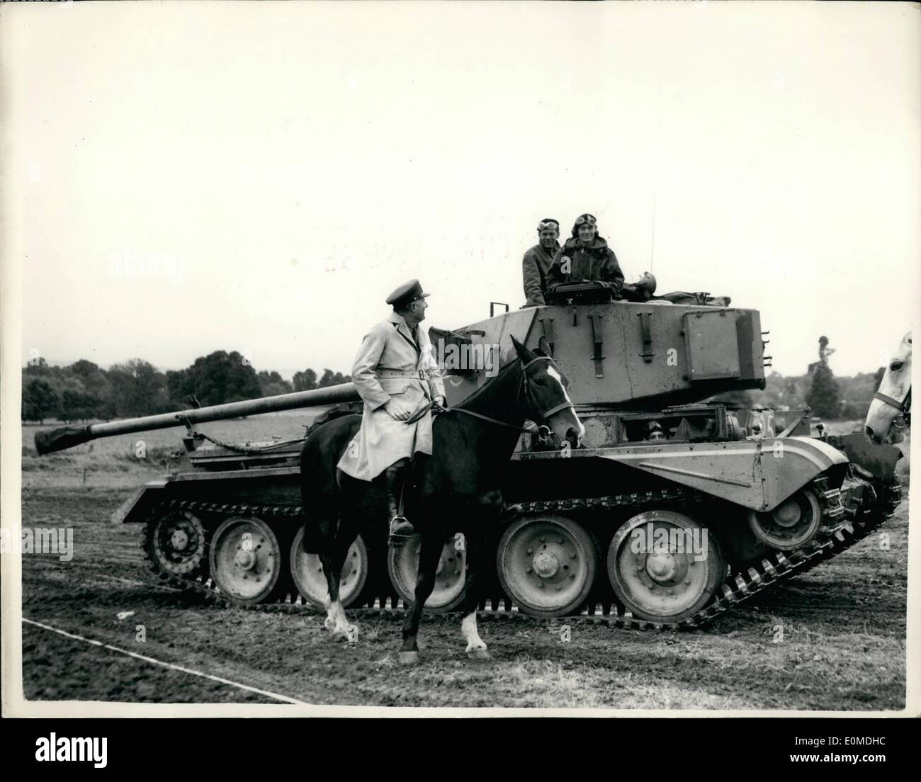 Sep. 09, 1954 - Territorials Carry Out Exercise ''London Pride'' Instructions For Tank w From The Lieut. General. Some 12,000 - Stock Image