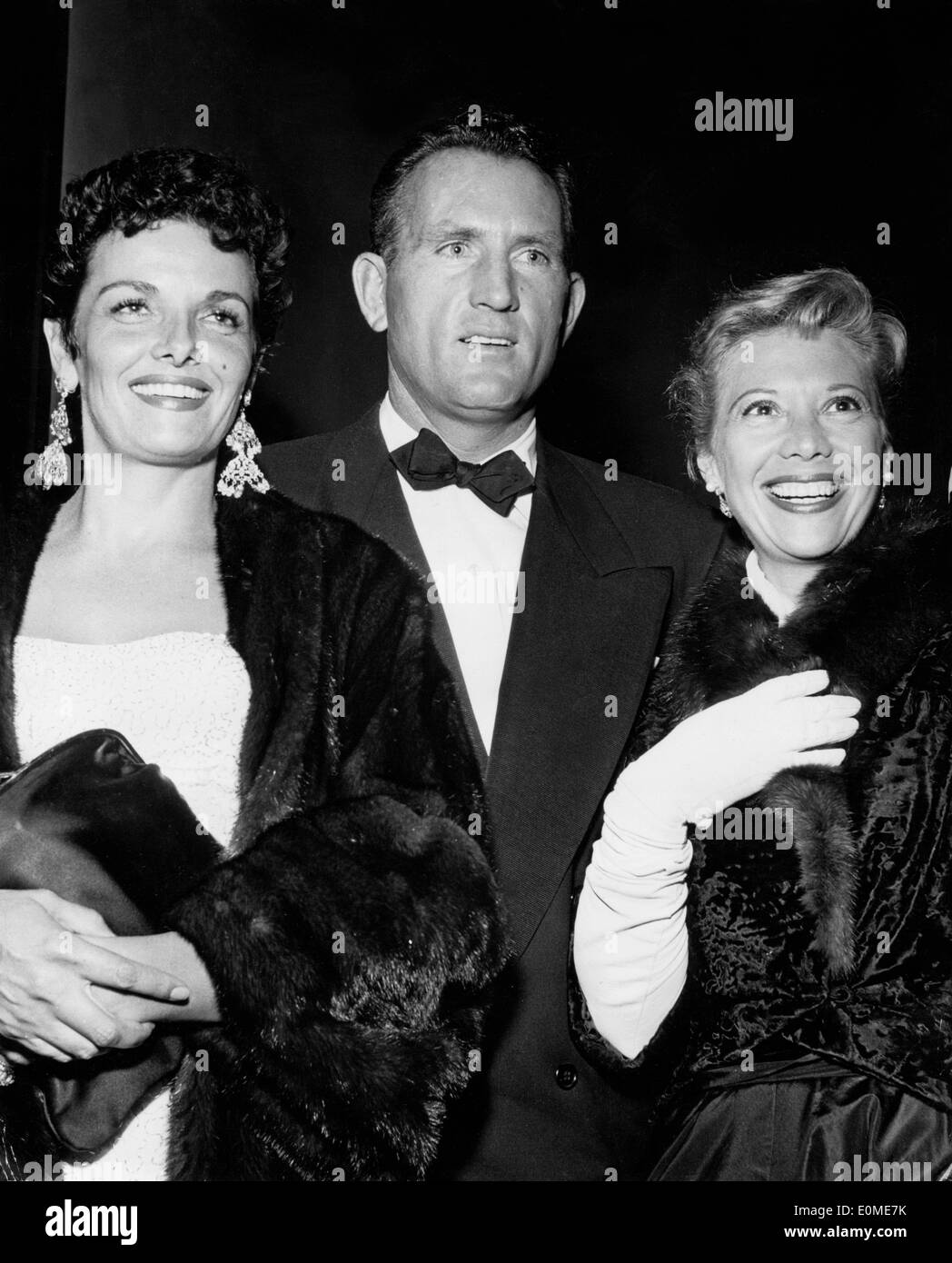 actress jane russell with husband bob waterfield and dinah shore stock photo  69291703