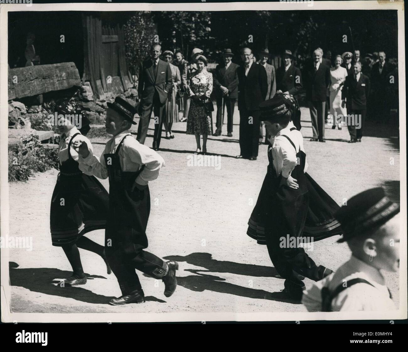 Jun. 06, 1955 - Queen And Duke On Visit To Norway. At The Folk Museum: H.M. The Queen and the Duke Of Edinburgh Stock Photo