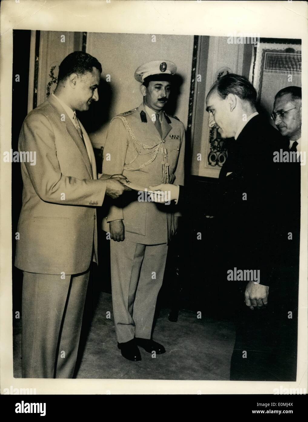 Aug. 08, 1955 - New British Ambassador in Egypt Presents Credentials To Premier Nasser. Keystone Photo Shows:- Sir - Stock Image