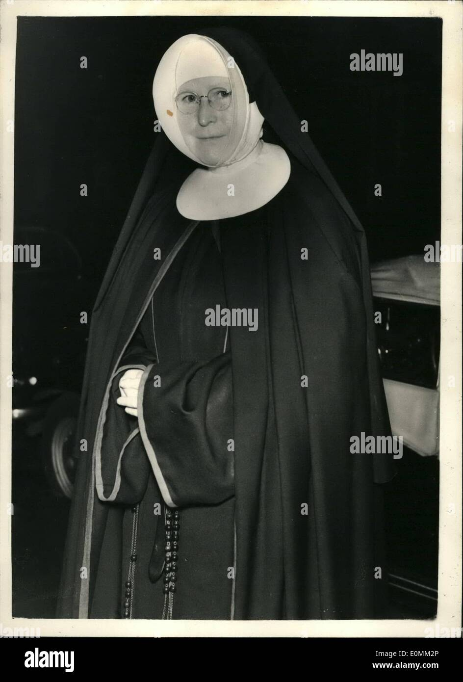 Nov. 11, 1955 - Nun Sues Cardinal Griffin And Others - Alleges False Imprisonment: Miss Margaret McCann, 54 year old Nun who became a member of the Sisters of Nazareth in 1924 - claimed damages in the Queen's Bench alleging false imprisonment - saying that she was looked up in a mental home when there was no justification for suggesting that she had an unsoundness of mind. Included in those accused is Cardinal Griffin - Archbishop of Westminster and Mother Plascidus - Superior of the Order of the sisters of Nazareth - Stock Image