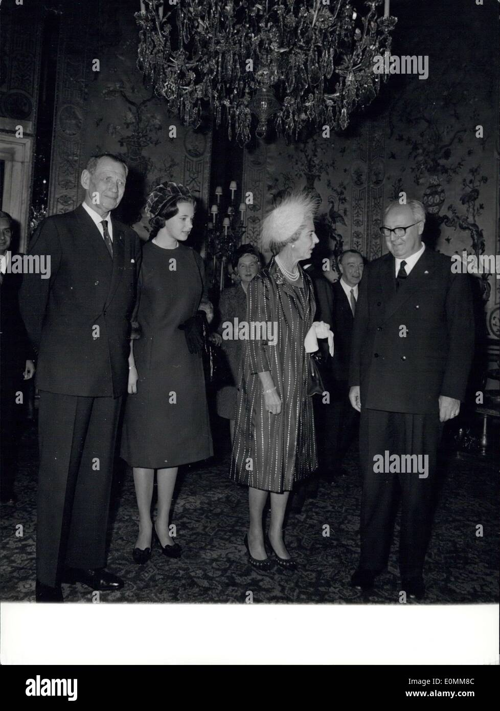 Oct. 21, 1955 - Italian President of the Republic non. Giuseppe Saragat, received today at the Quirinale Palace The Royal Danish Couple King. Frederick and Queen Ingrid, accompanied by the princess Benedikte. Photo shows King Frederick, Princess Benedikte, Queen Ingrid and President Saragat. - Stock Image