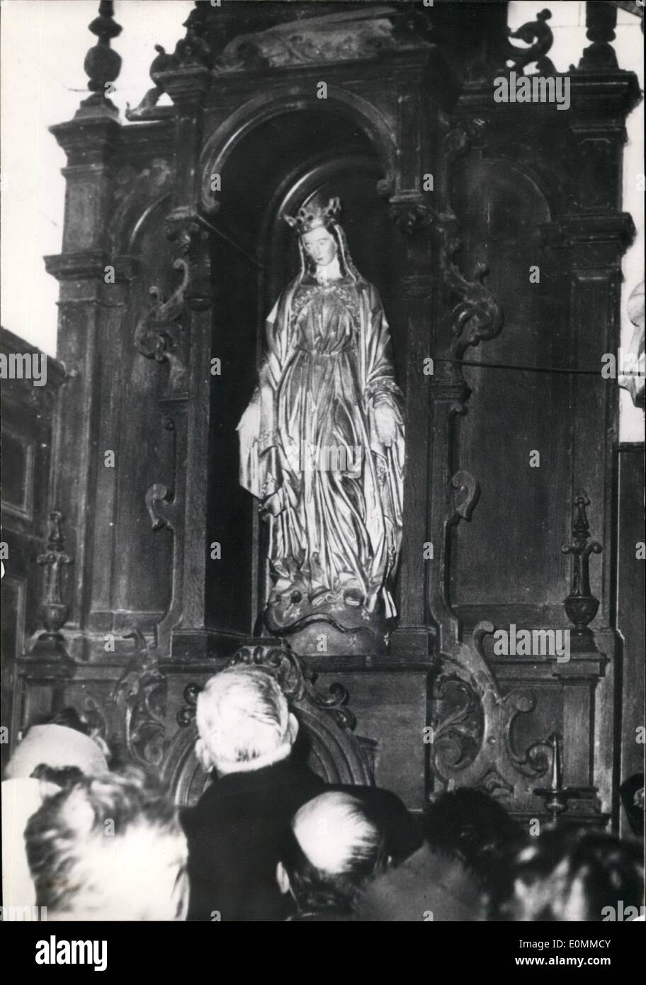 Dec. 12, 1955 - Villagers Report Statue Of Virgin Moves Her Eyelids: Some of the inhabitants of Englancourt, a village in the Aisne District, claim they have seen the statue of the virgin placed in the village church move their eyelids. The rumours reported in the French papers have put the Vittle village into a sudden limelight. Photo Shows: The ''Miracle'' statue of the virgin in its recess at the Eglancourt church - Stock Image