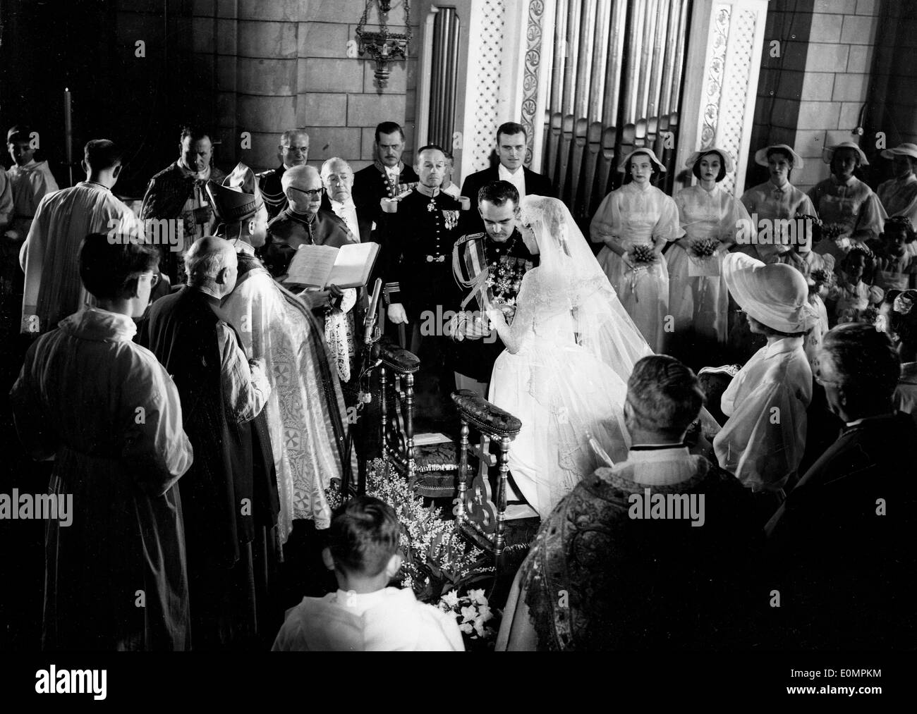 Prince Rainier marries Grace Kelly at the Monaco Cathedral - Stock Image