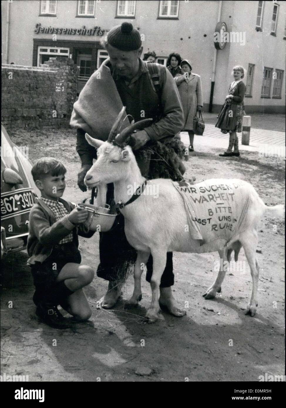May 15, 1956 - Danish instructor Tage Lillienstrand was on a pilgrimage to Rome, barefoot, in order to give a gift to his beloved Ingrid Bergman. He is pictured in Neumuenster/Holstein. - Stock Image