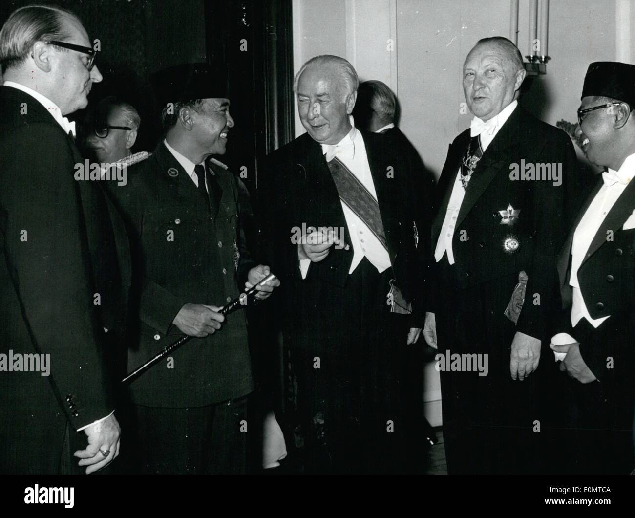 Jun. 06, 1956 - President Sukarno... Was received officially by President Heuss. The German President invited 800 guests from politics, economy and industry for his Indonesian guest. PS: (f.l.t.r.) Foreign Minister Heinrich v. Brentano, president of Indonesia, Sukarno, president Heuss and chancellor Dr. Konrad Adenauer. - Stock Image