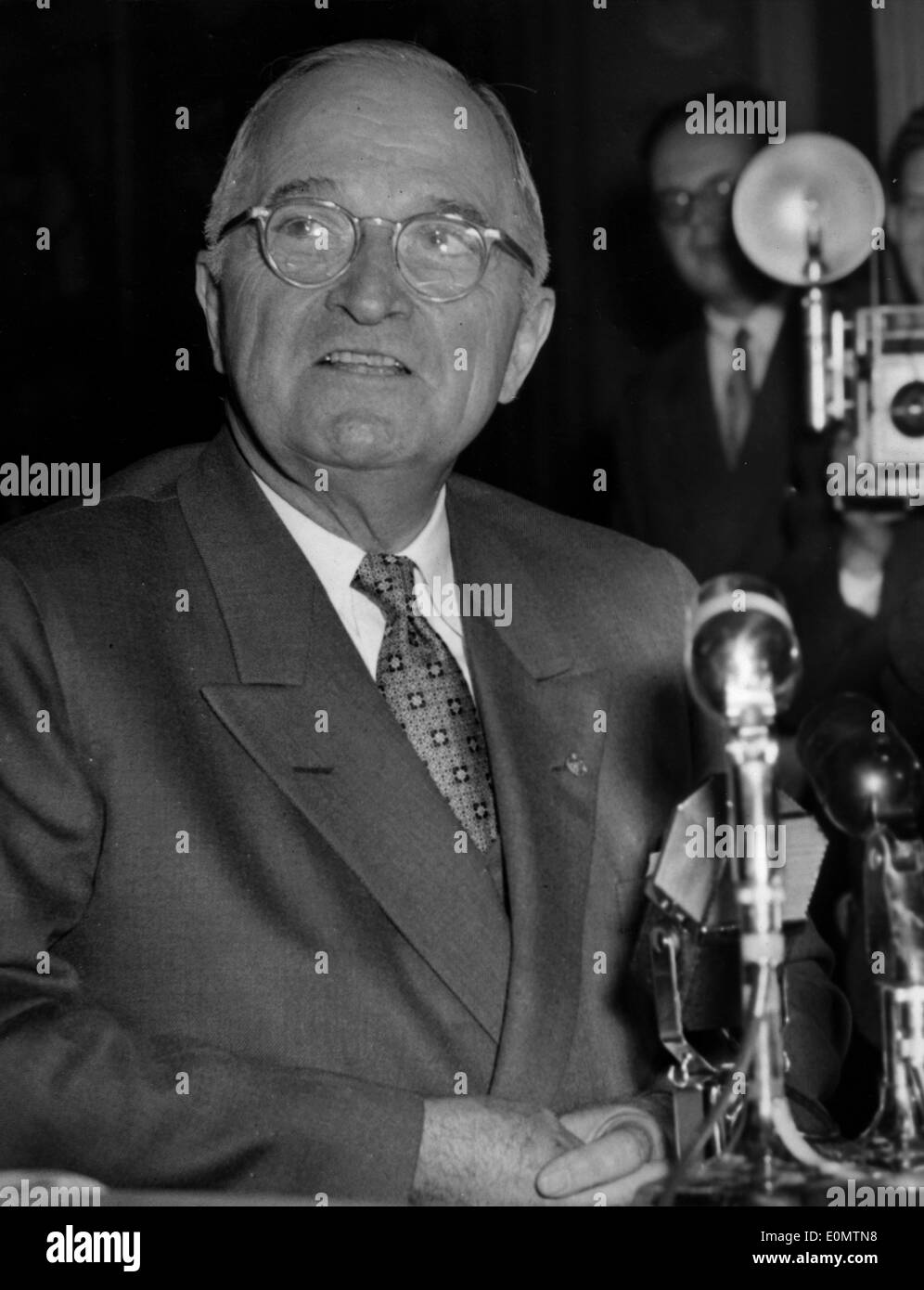 President Harry S. Truman speaking at a press conference - Stock Image