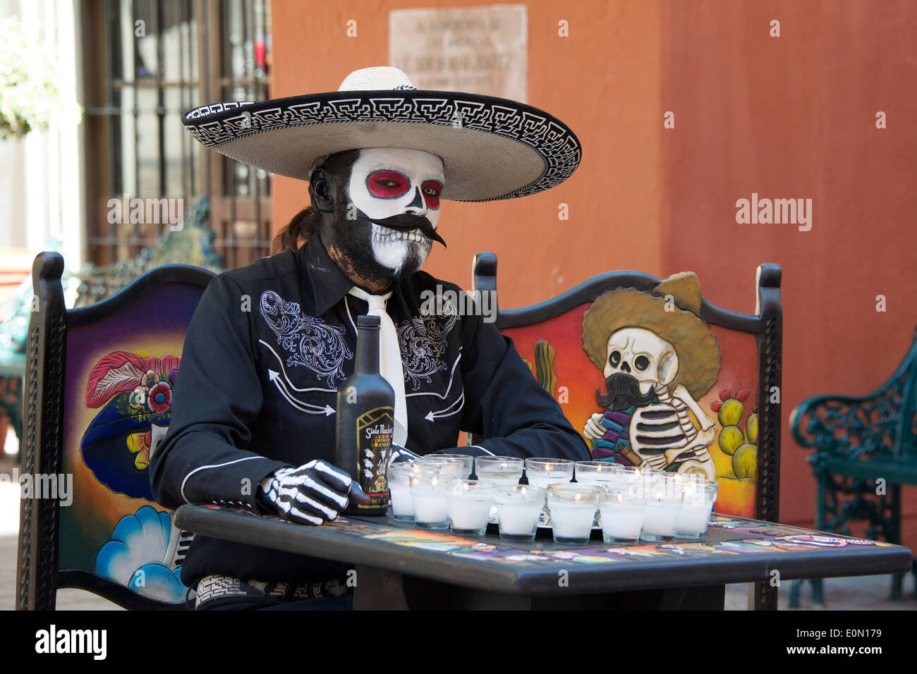 Man dressed as Day of the Dead skeleton Guanajuato Mexico - Stock Image